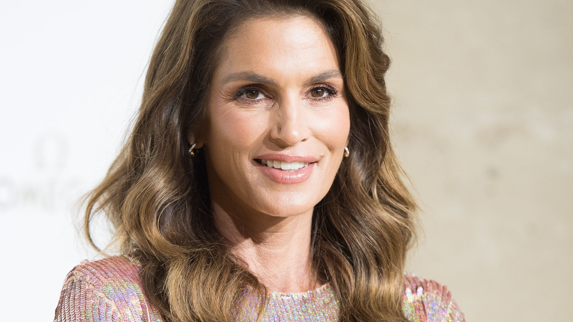 Cindy Crawford's 4 Best Healthy Beauty Tricks