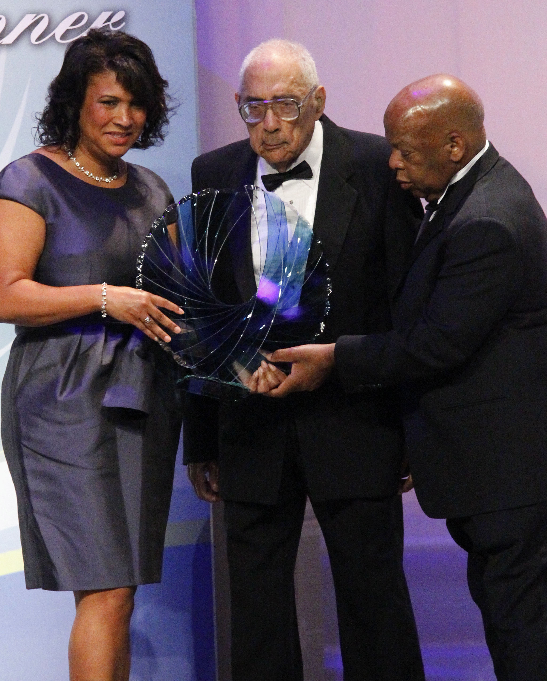Pioneering black journalist Simeon Booker dies at age 99