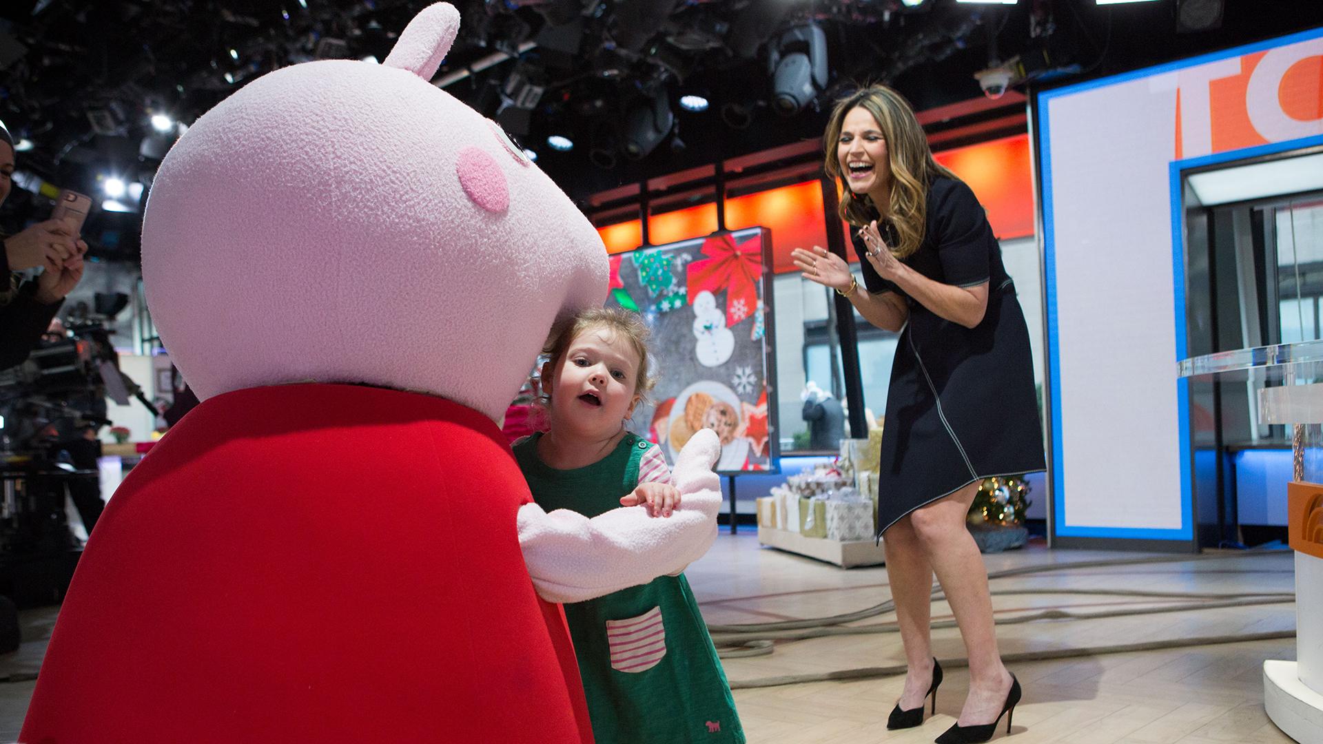Savannah's daughter Vale met her idol — Peppa Pig! See the sweet photos