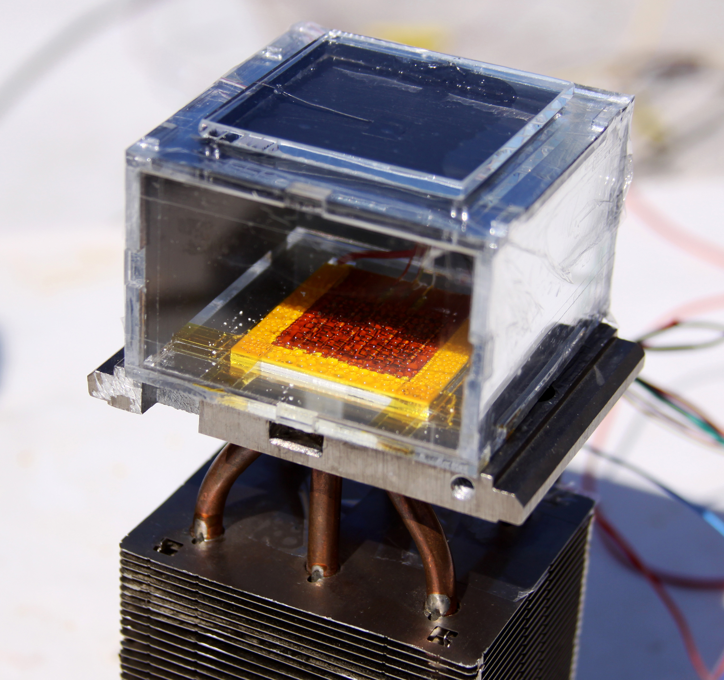 Image: Special crystals soak up atmospheric water like a sponge