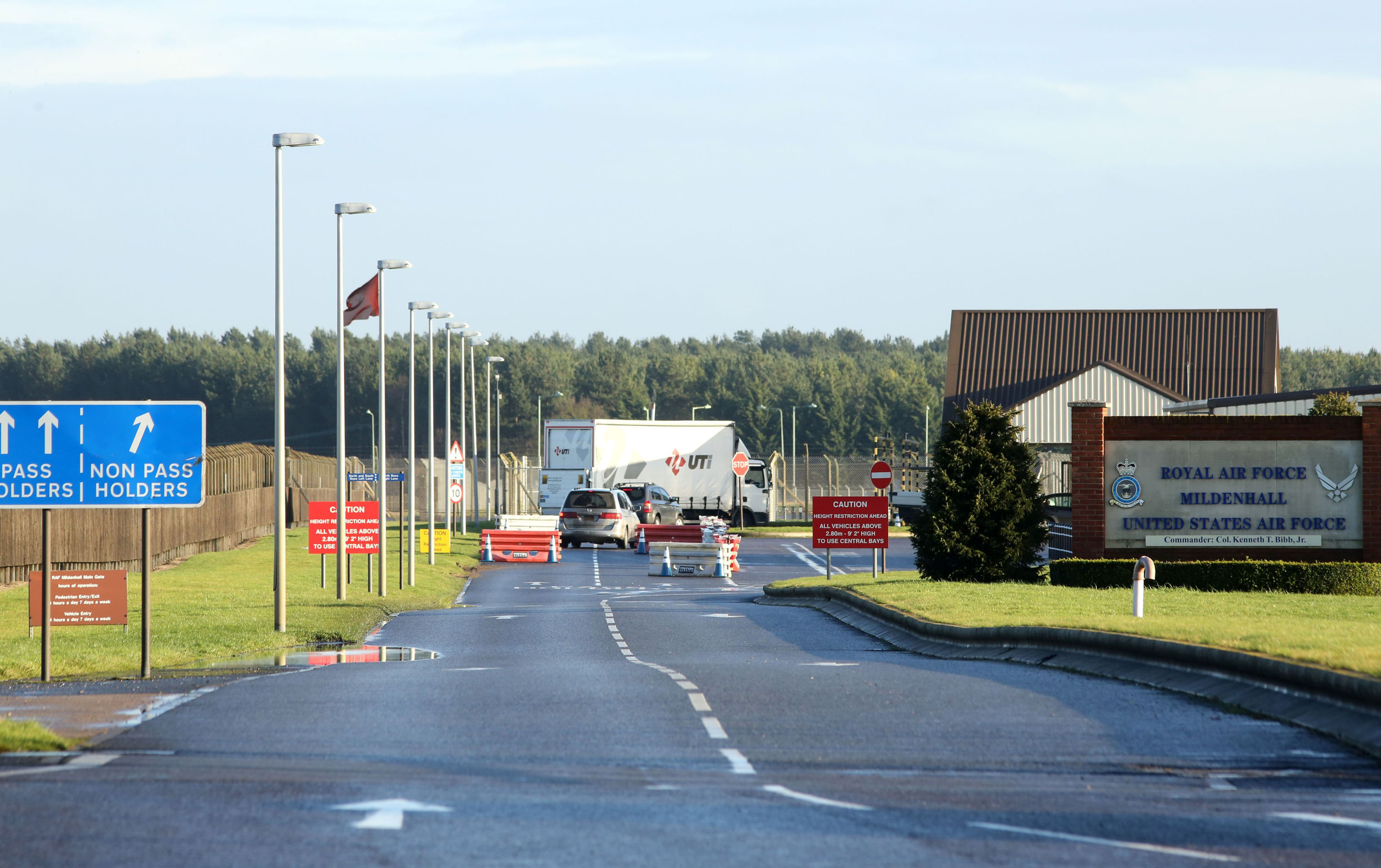 Shots fired at U.S. base in U.K. after suspect attempts entry