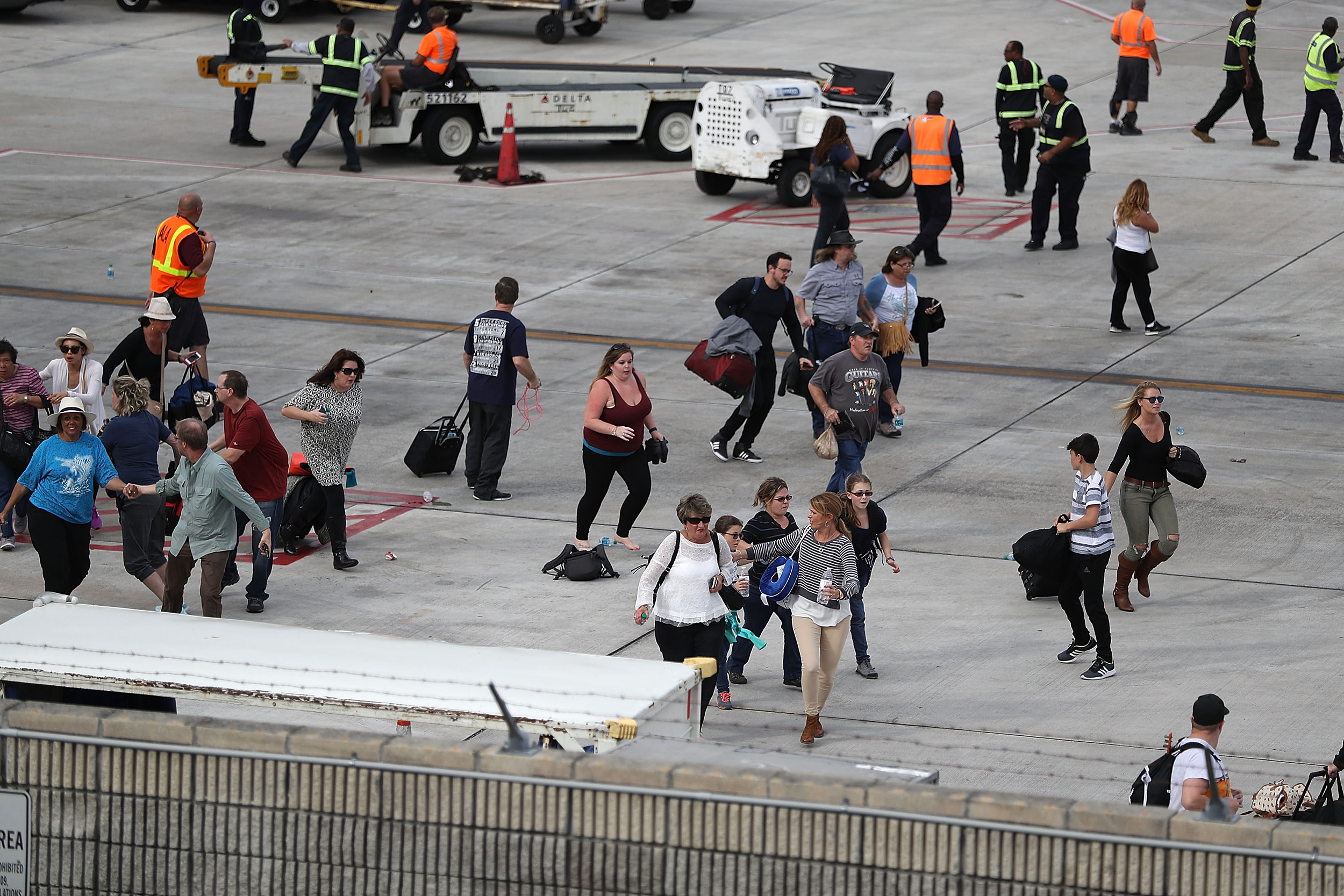 Travelers should know: Few airport workers have emergency training