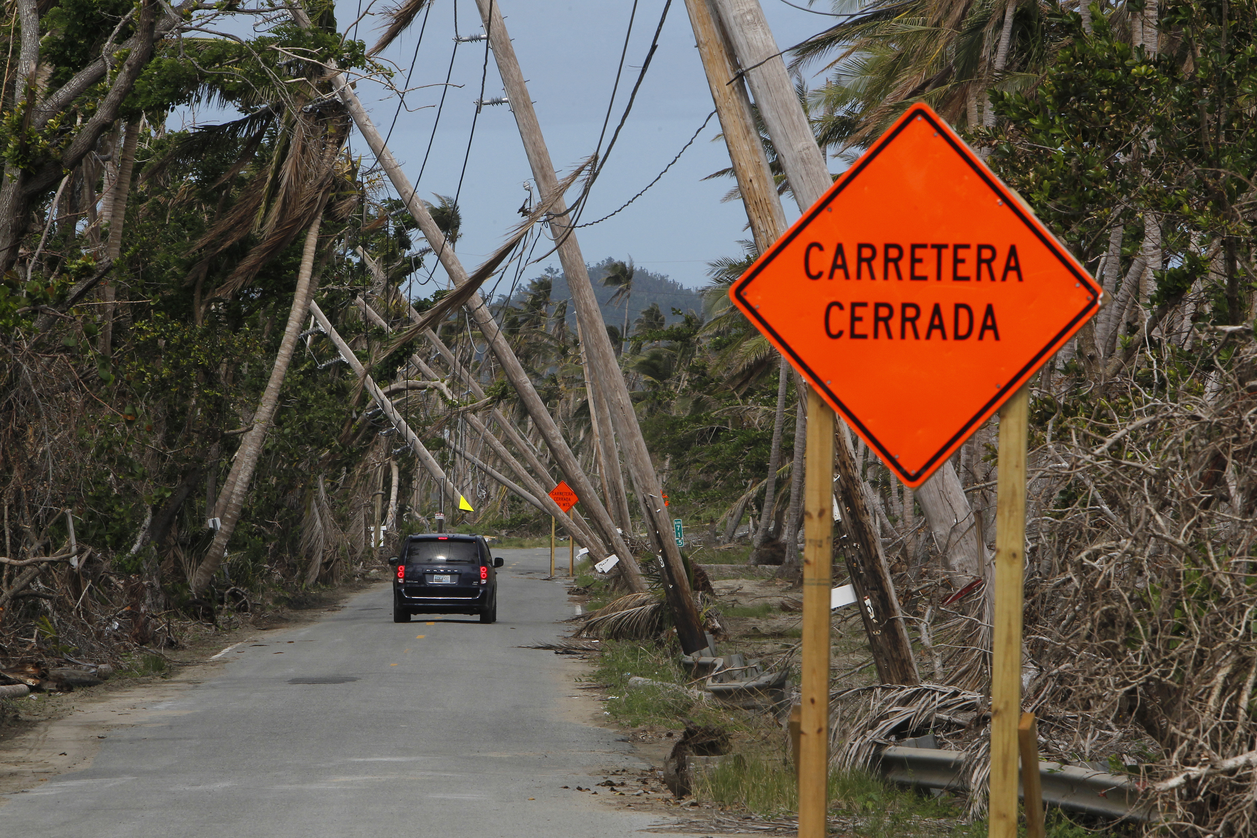 Puerto Rico to privatize its electric company