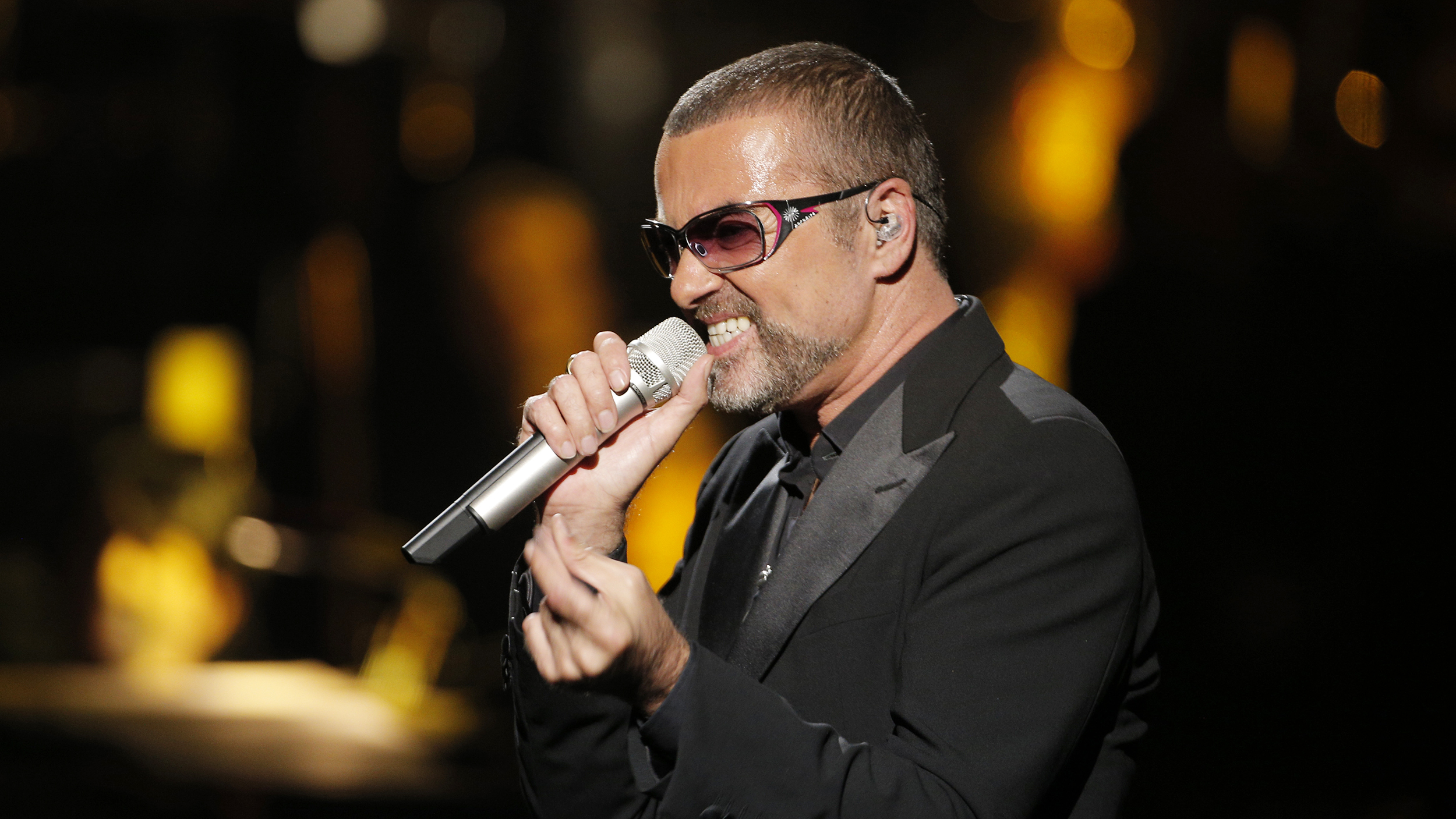 George Michael\'s family remembers him on Christmas, one year after ...