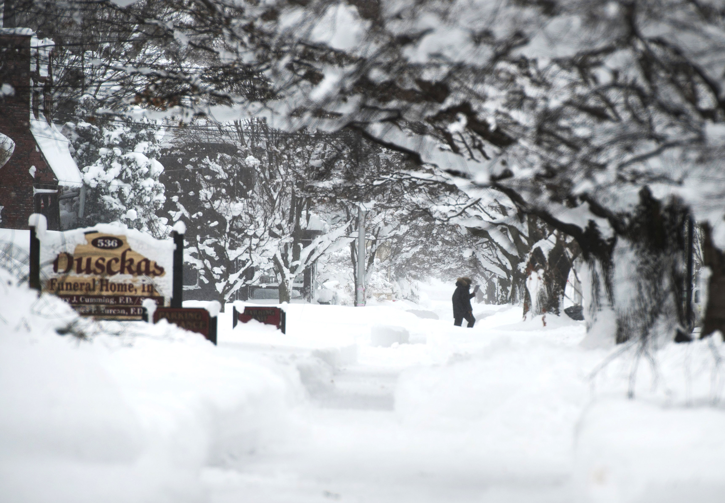 Record snow gives Pennsylvanians a December to remember