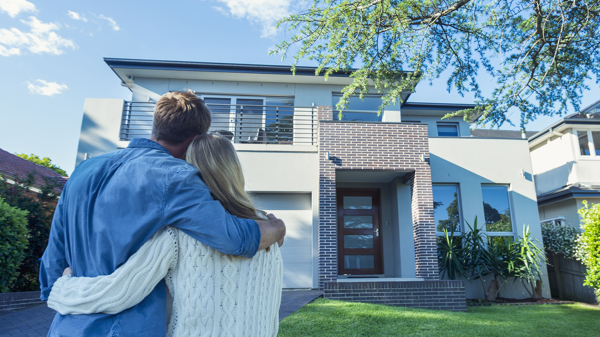 buying a house in today s economy With the housing market stabilizing and last year's dramatic price increases behind us (on a national basis, at least), it's not as easy to quickly flip.