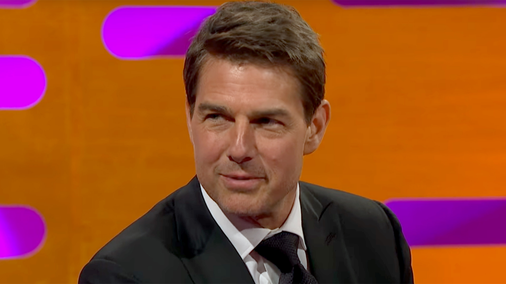 Tom Cruise S Co Stars Can T Handle Footage Of Him Breaking Ankle On Set