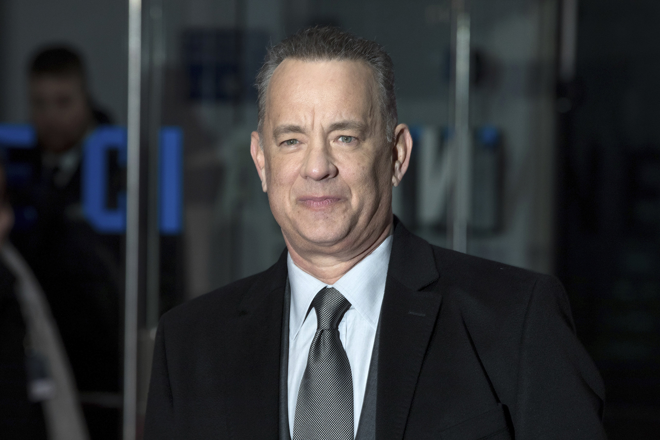 Tom Hanks To Play Mr Rogers In Biopic You Are My Friend