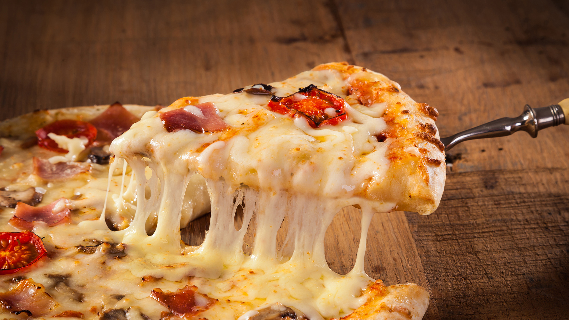 Looking For Deals On National Pizza Day Its As Easy As Pie - Pizza hut table rock lake