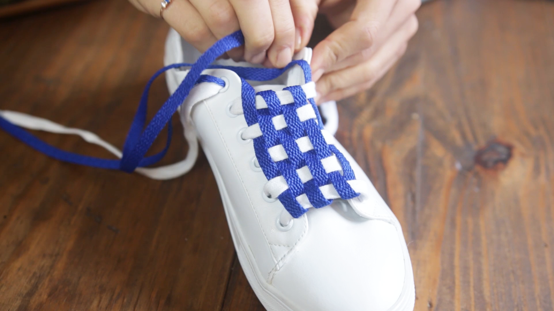How to lace sneakers with checkerboard
