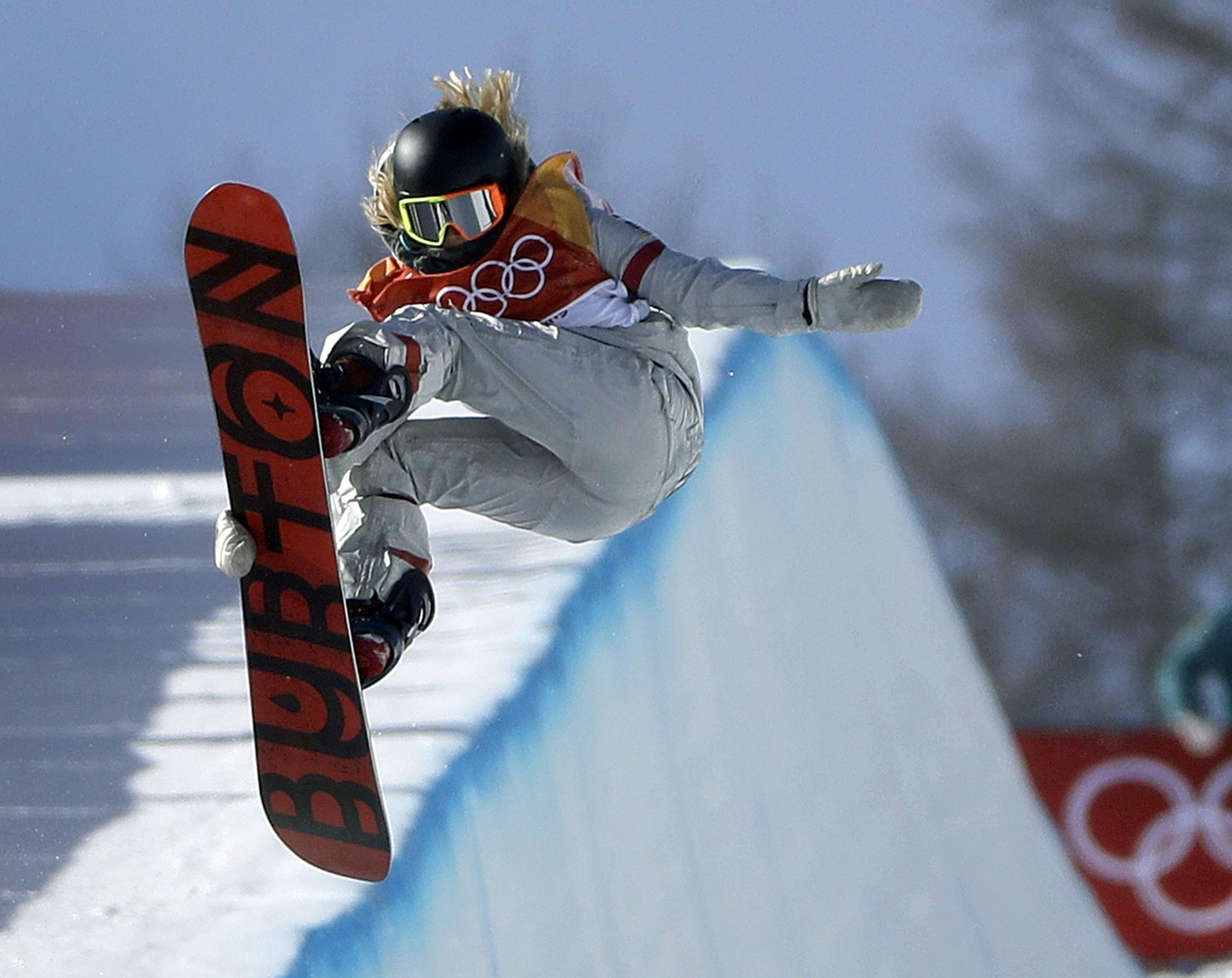 American phenom Chloe Kim wins gold in snowboard halfpipe