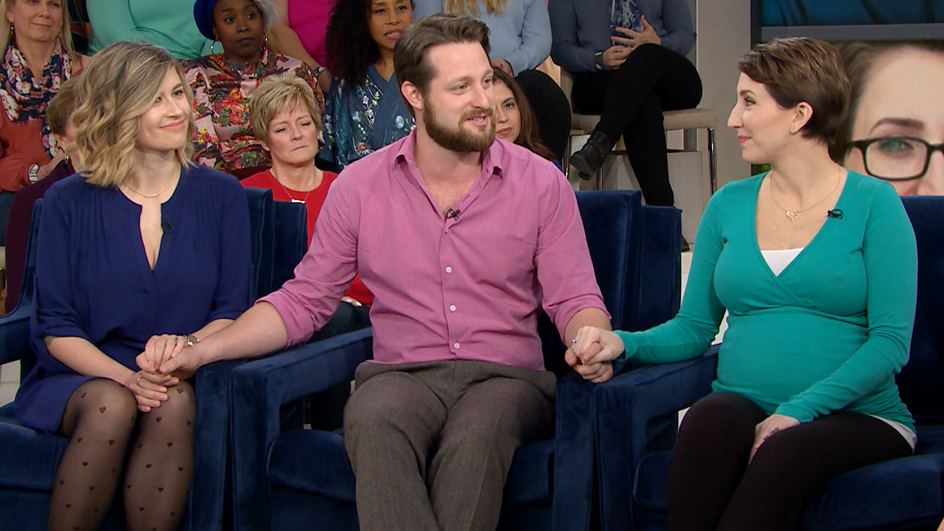Polyamory And Family 1 Dad, 2 Moms Raise Kids Together - Todaycom-8142