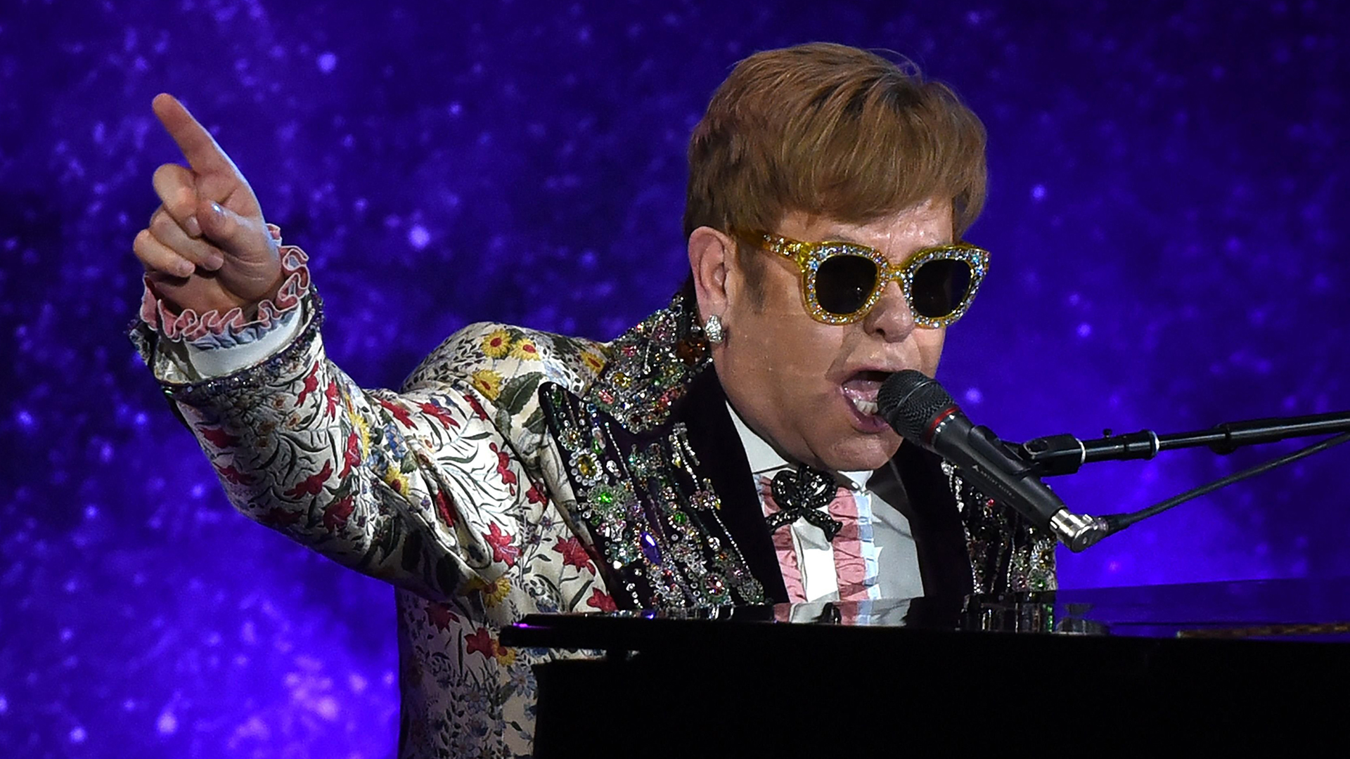 Elton John speaks out after walking off stage mid-concert