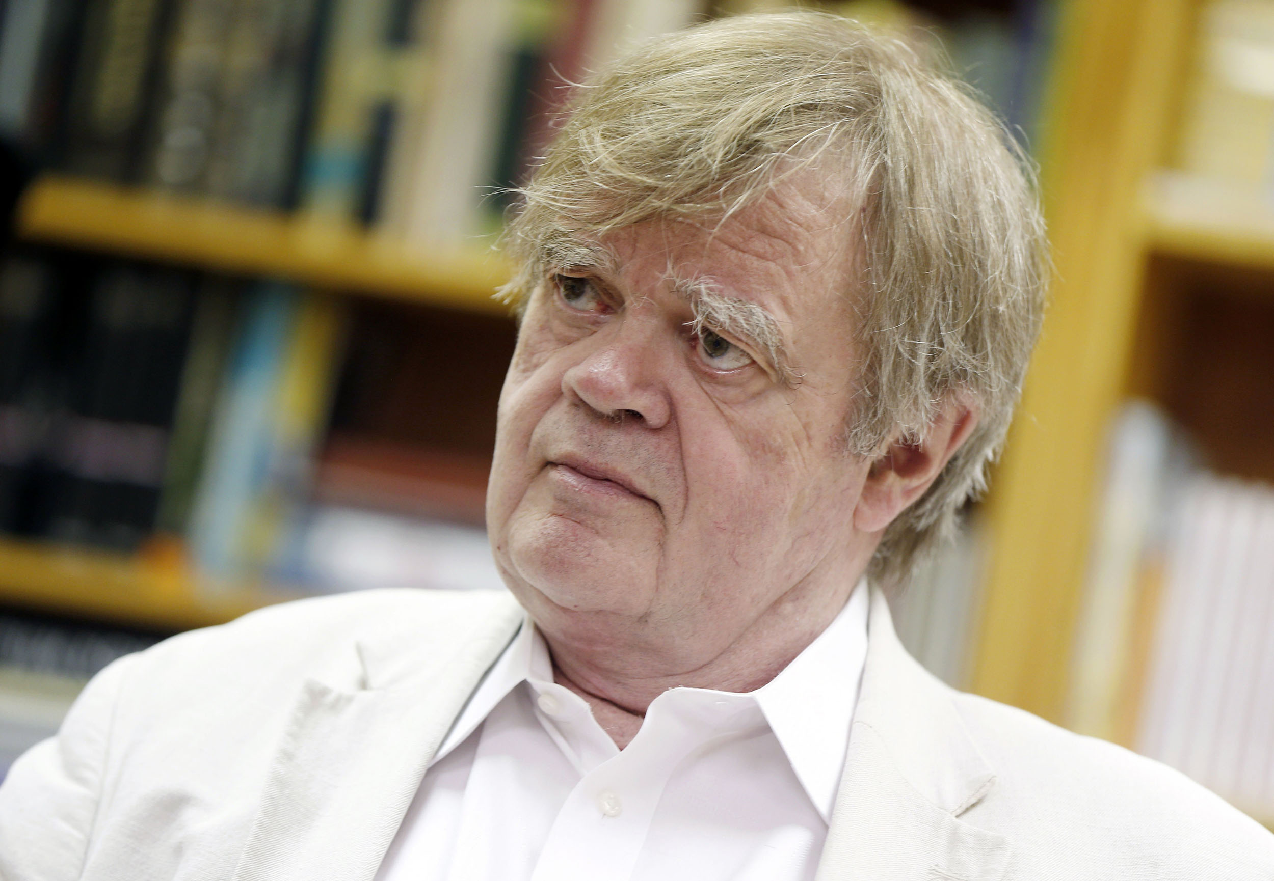 Garrison keillor says sexually suggestive emails were romantic writing expocarfo Gallery