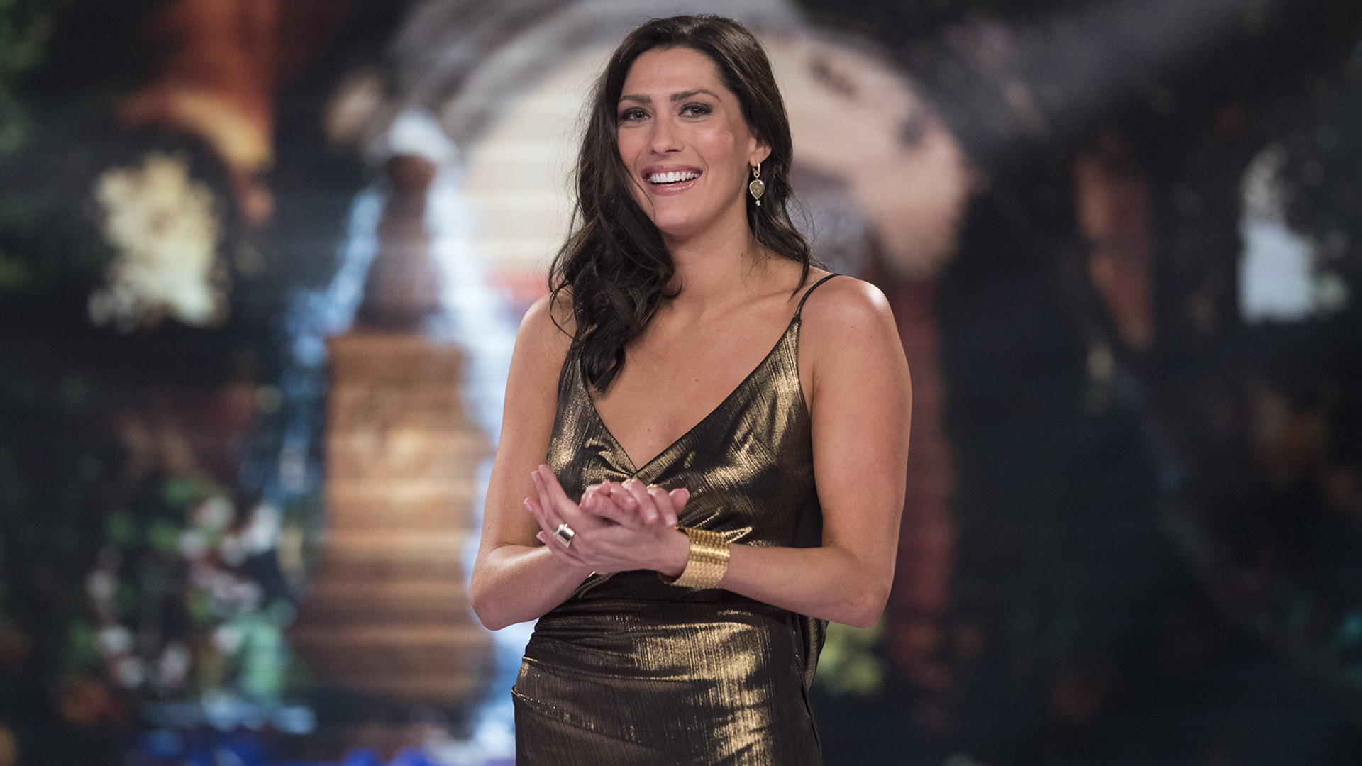 Bachelorette' Becca Kufrin donates $6,000 worth of 'beer
