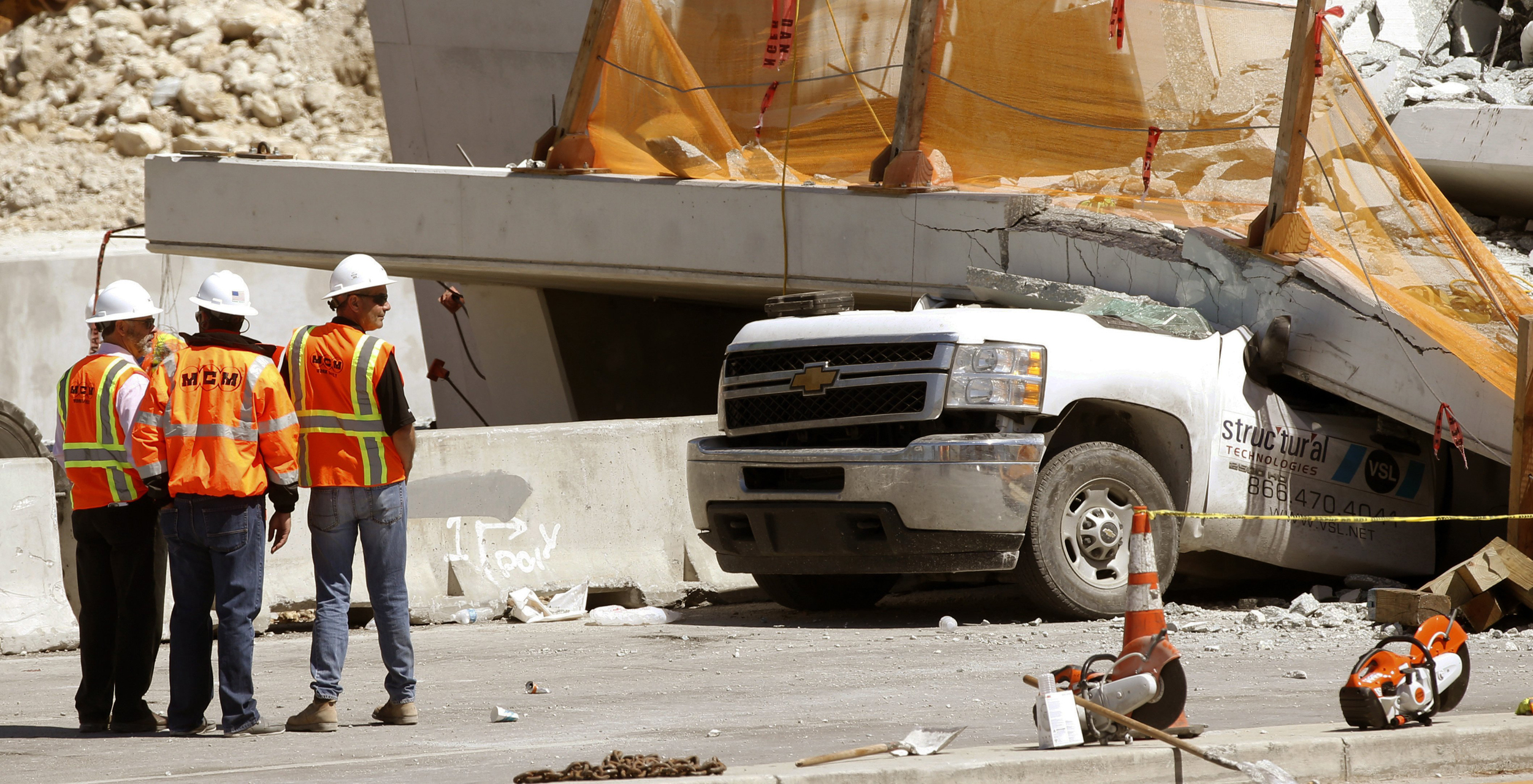 Engineers saw cracks in Miami bridge days before collapse