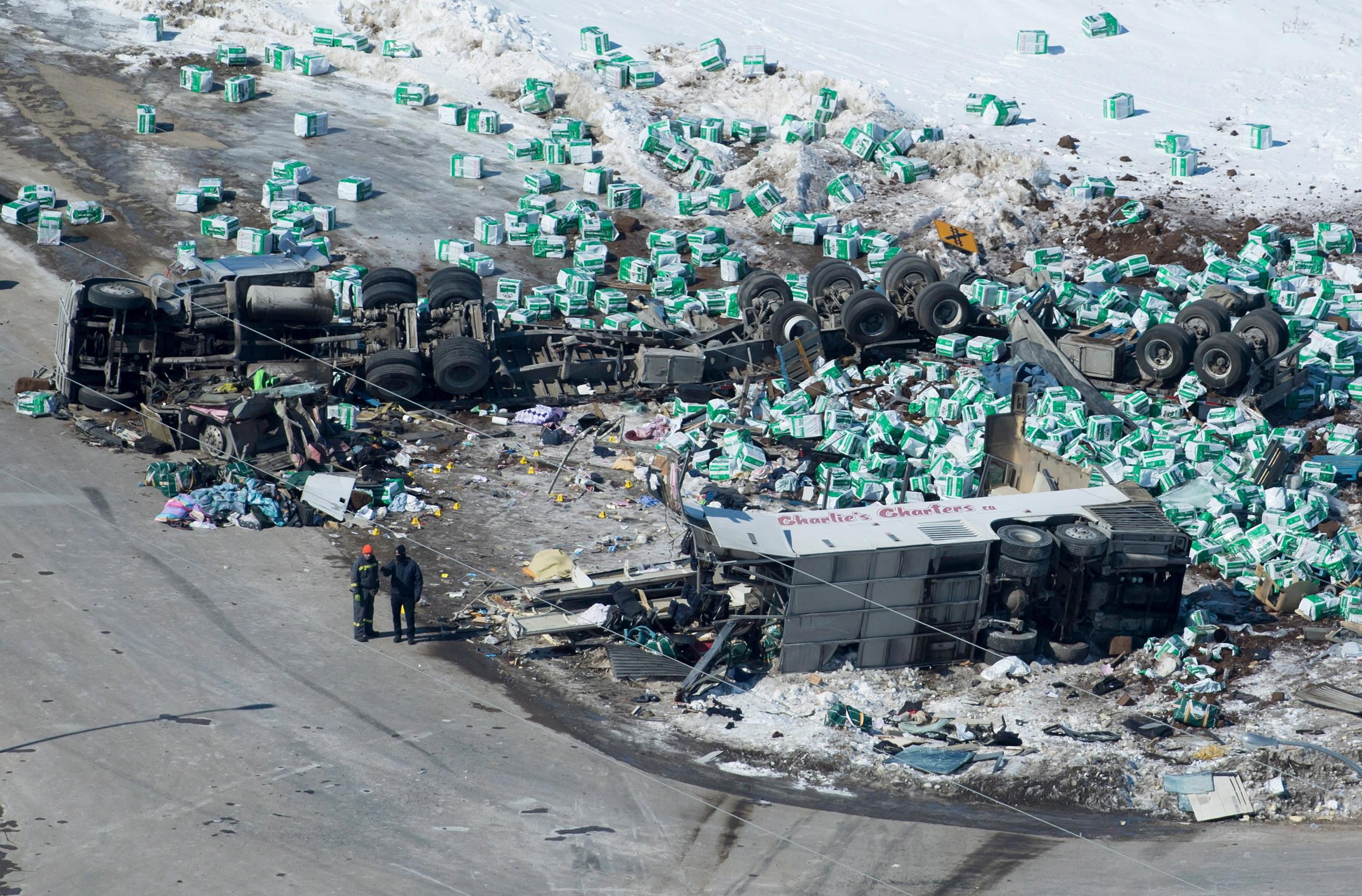 15 killed in bus crash involving Canadian junior hockey team police say