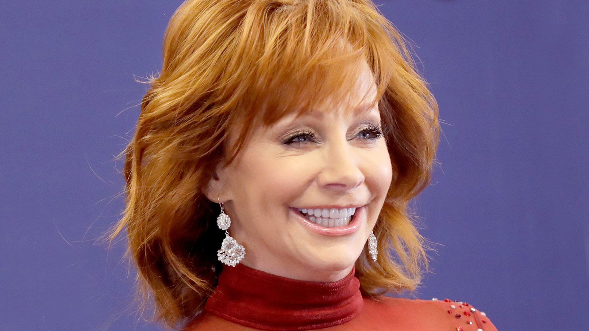 reba mcentire wore her 1993 red dress dress at the 2018 acms