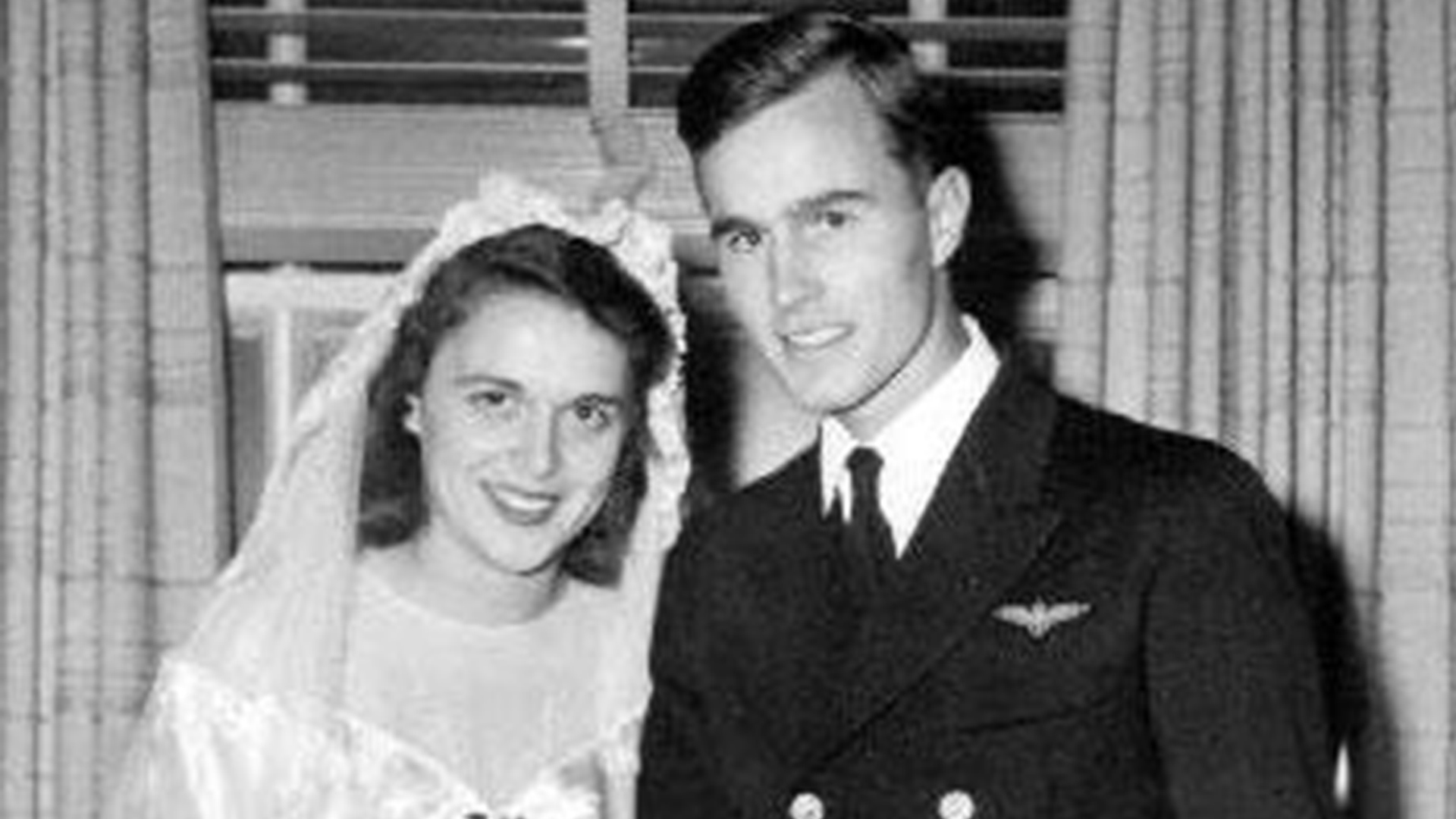George And Barbara Bush A Look Back At Their Love Story