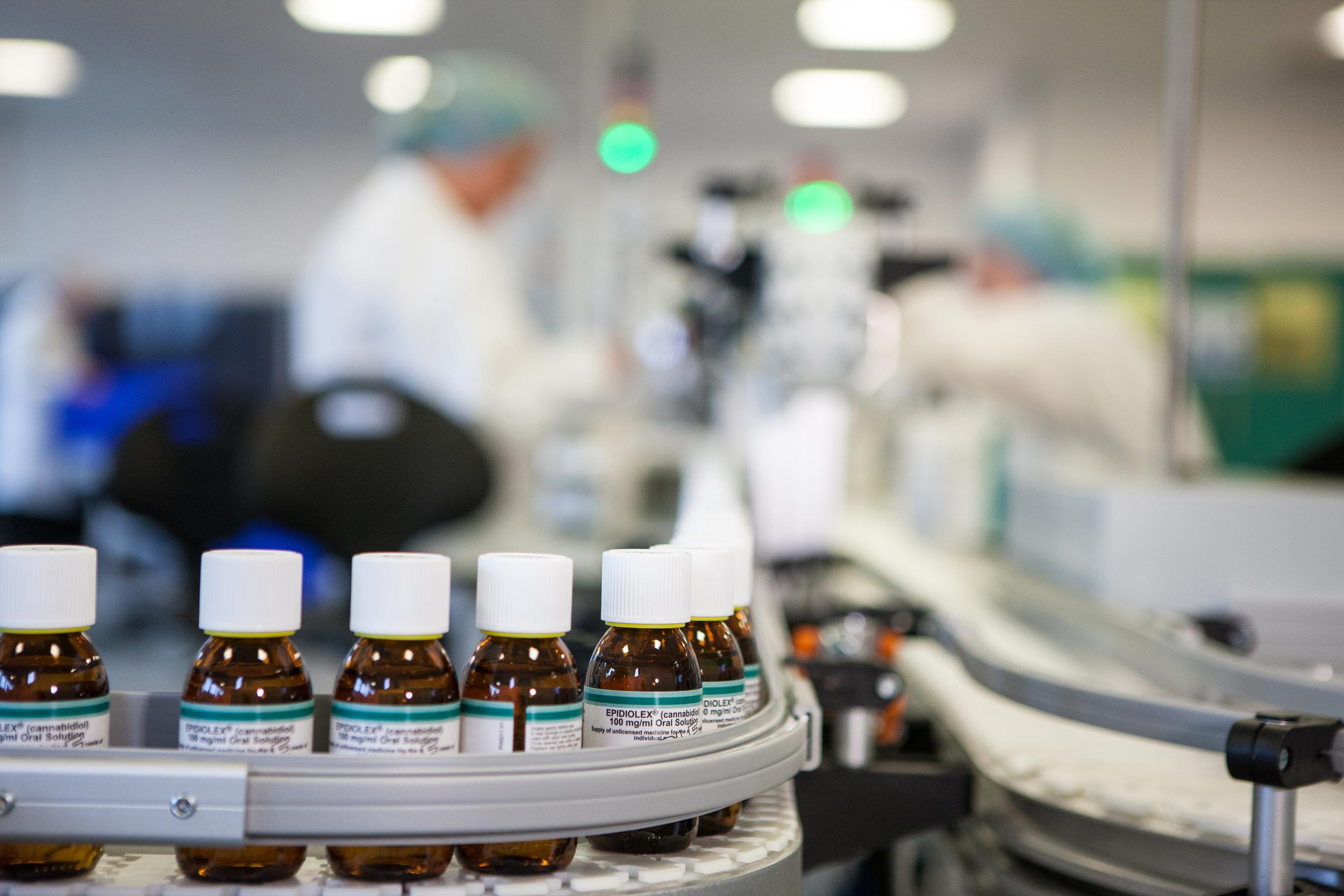 FDA advisers recommend cannabis derivative medicine