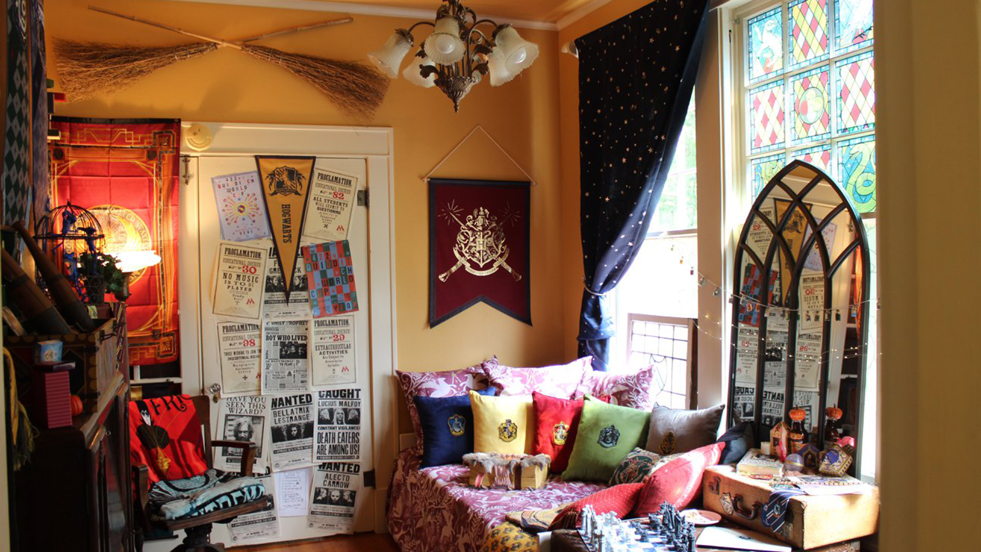 This Created Their Own Harry Potter Reading Room And It S Magical