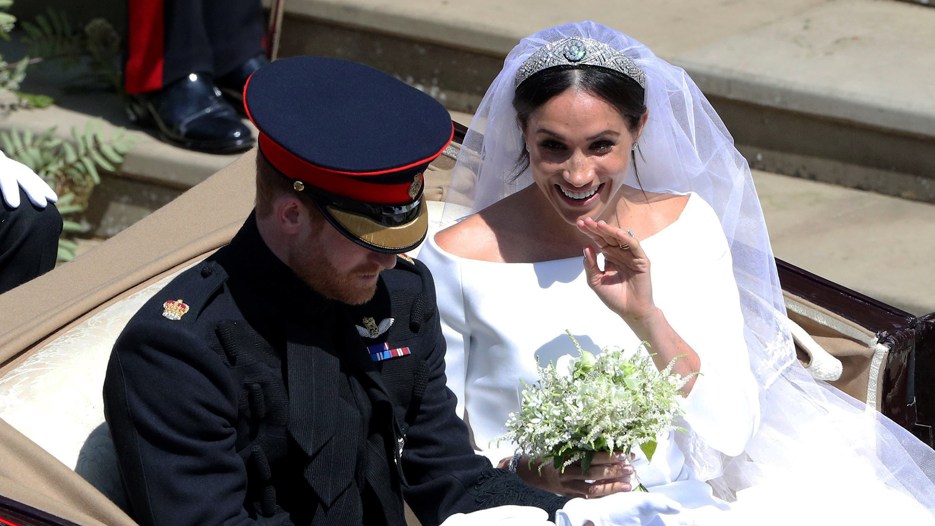 How meghan markle honored princess diana with wedding bouquet izmirmasajfo