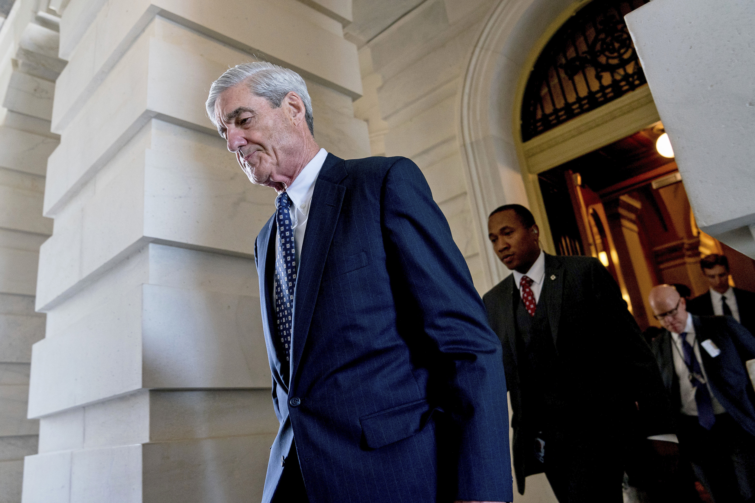 Foreign-interference-in-U.S.-elections-still-going-on,-Mueller-says