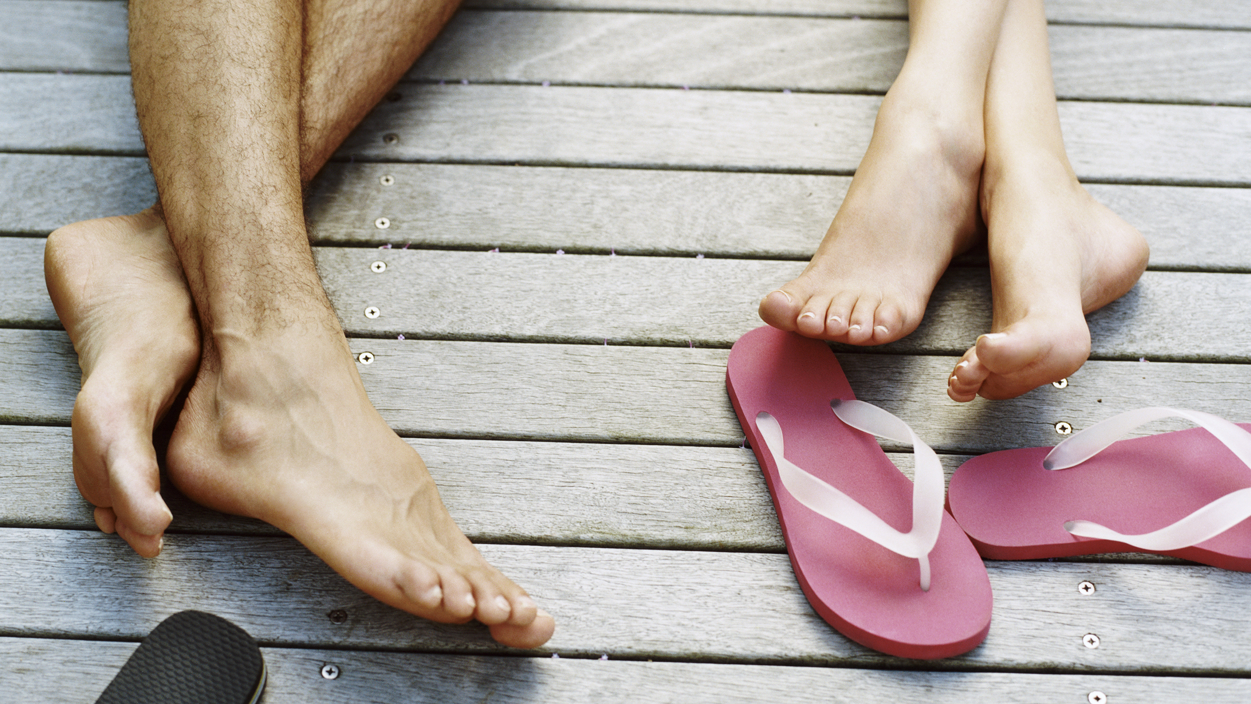 e6b2f88b56e93b Here s how to wear flip-flops without ruining your feet