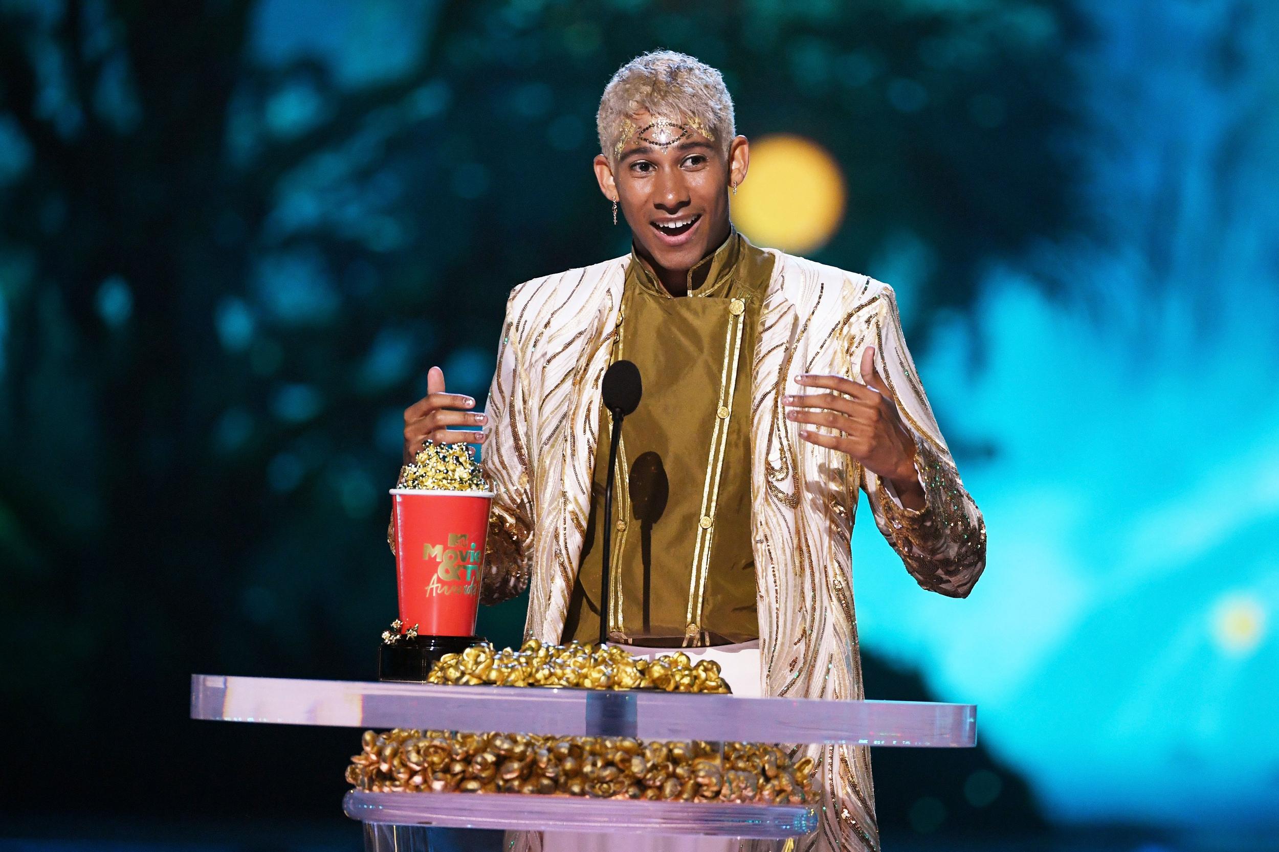 Gay teen romance 'Love, Simon' wins MTV's Best Kiss award