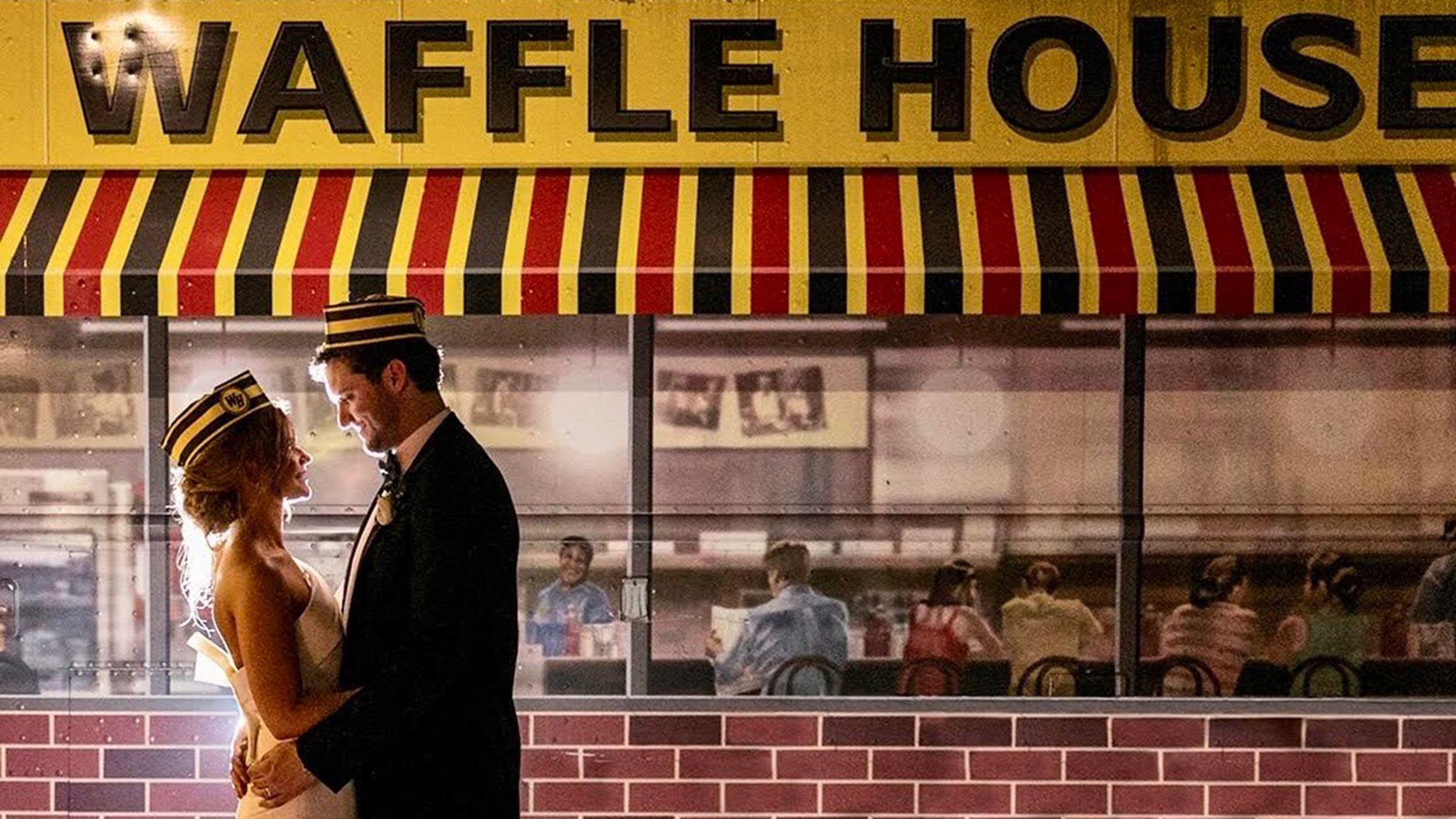 Atlanta Couple Takes Tasteful Waffle House Wedding Photos