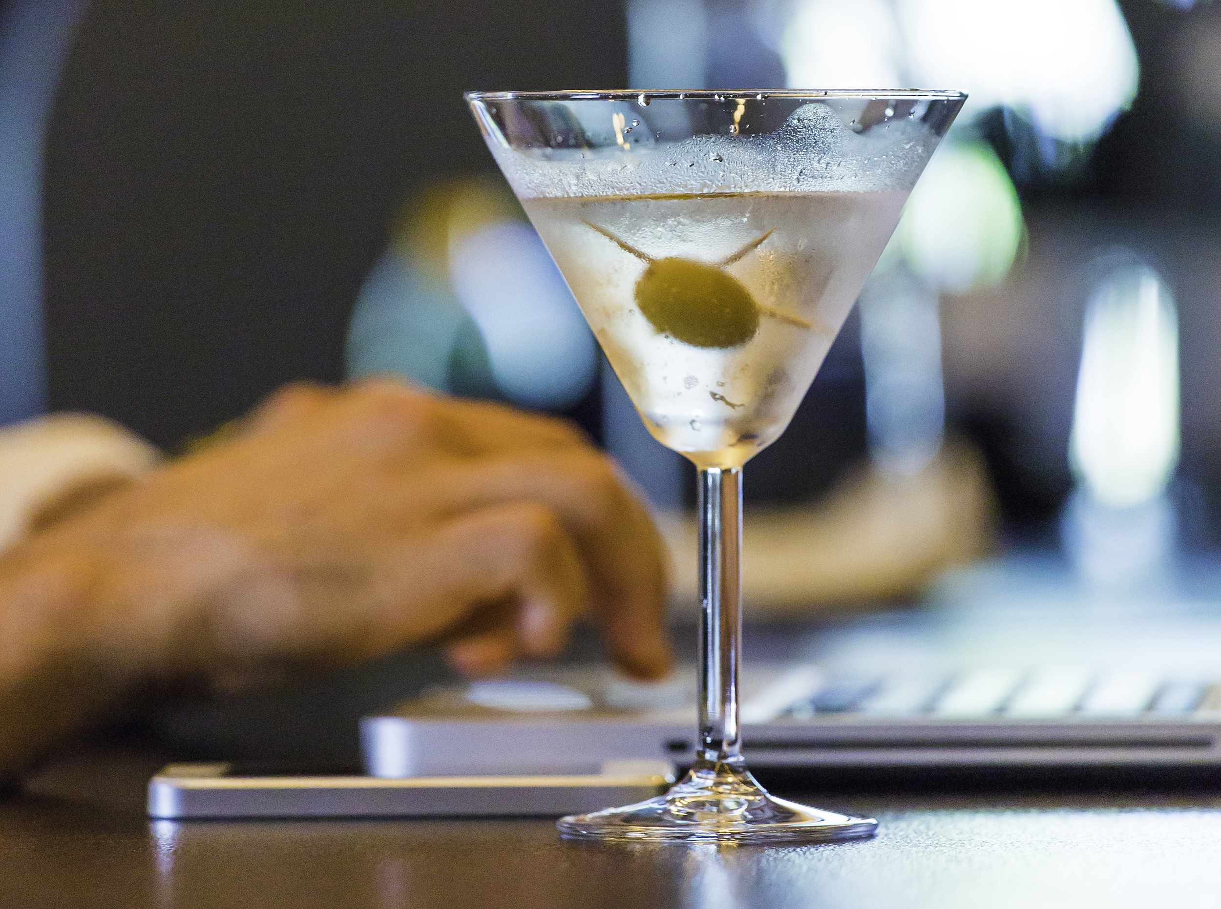 Drunk Americans spend a total of $30B online each year — but what