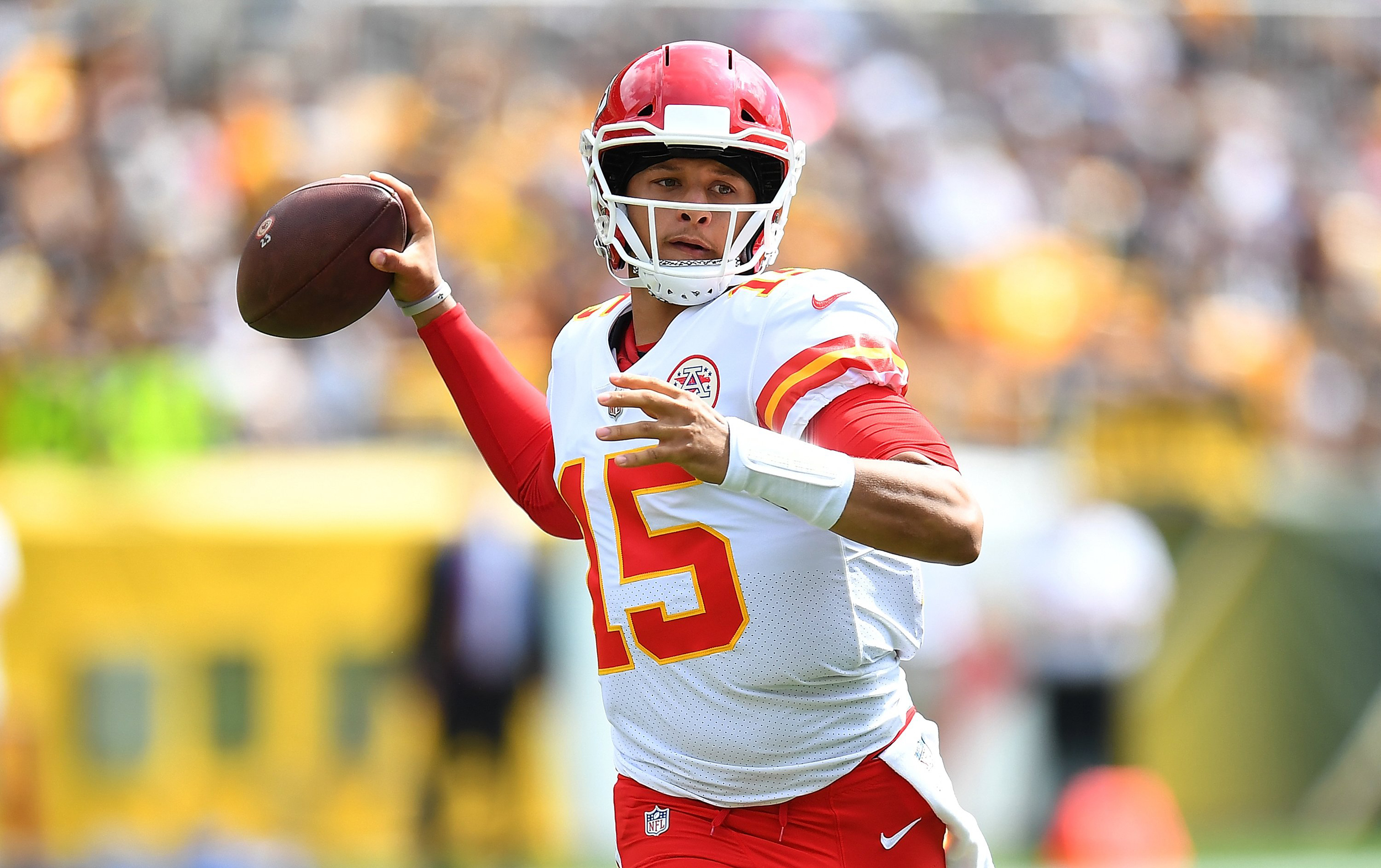 Patrick Mahomes breaks NFL record for touchdown passes through 2 games
