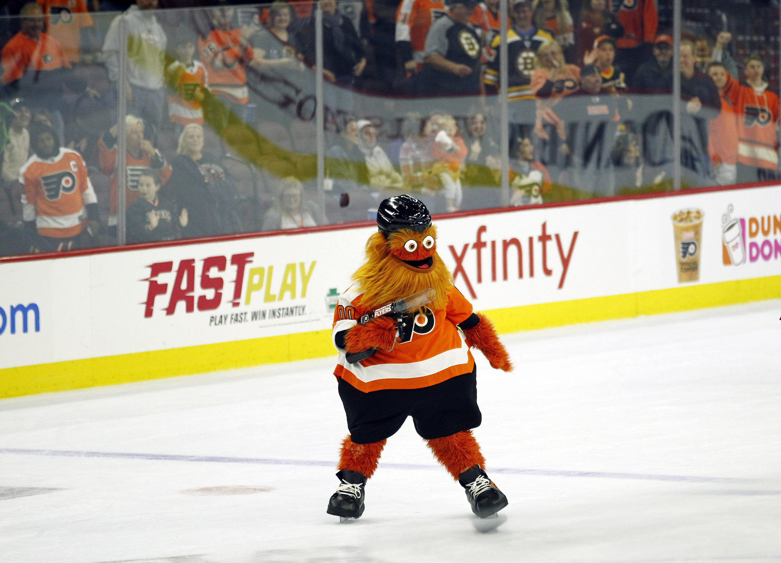 Gritty Shares Inspirational Message Amid Coronavirus Social Distancing