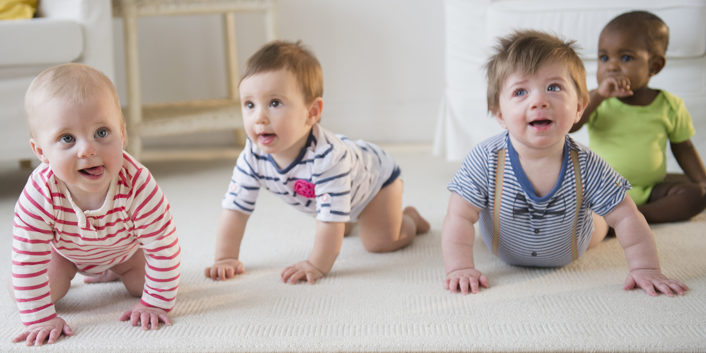 when do babies crawl? pediatricians answer all your baby crawling