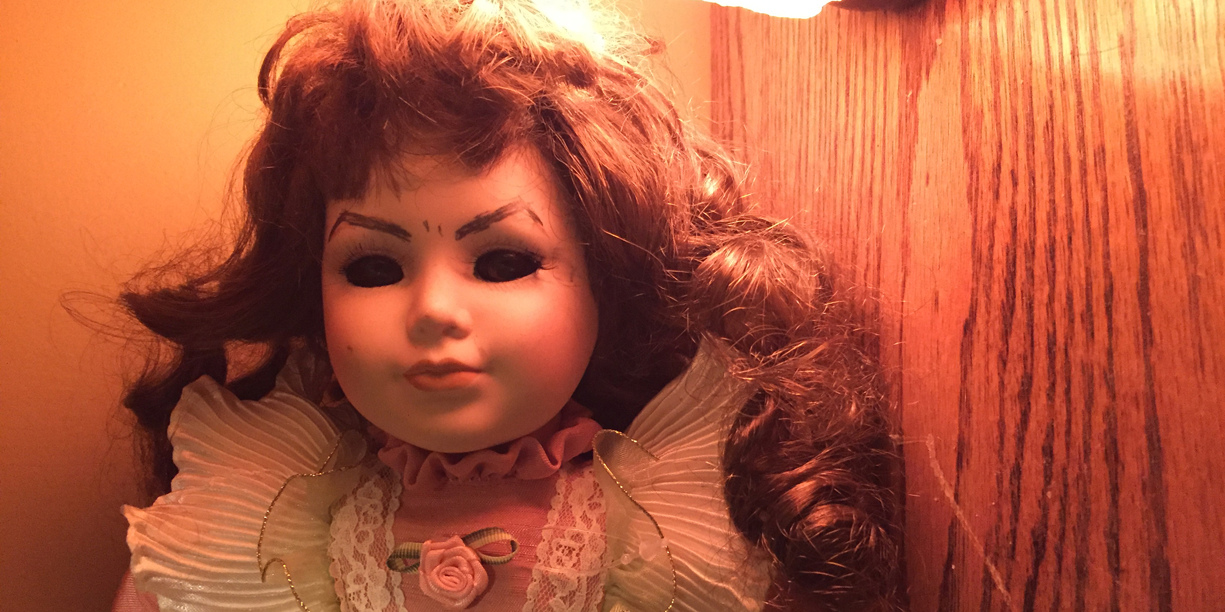 Mom Pranks Kids With Creepy Halloween Doll In The Hall
