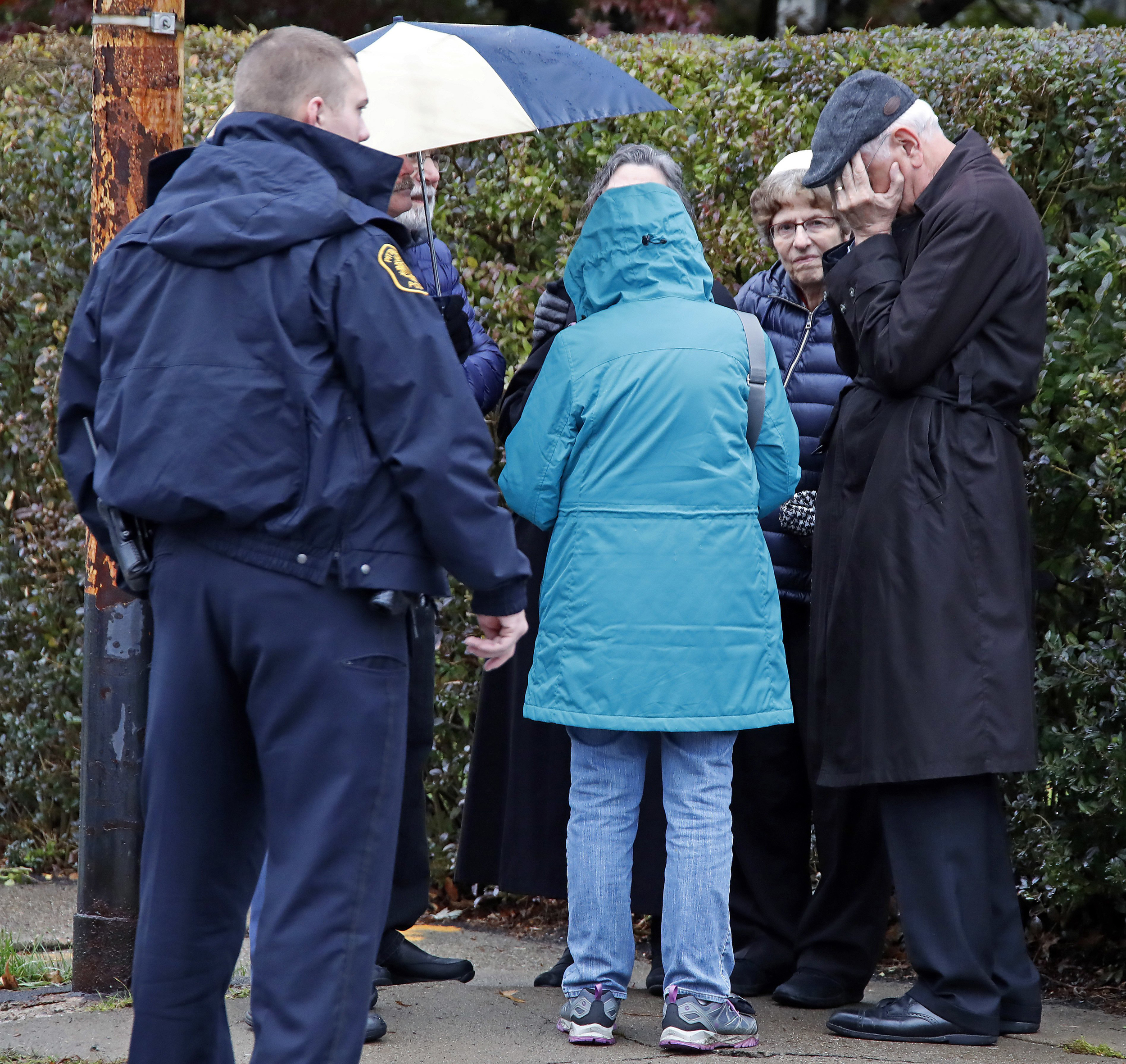 11 dead in shooting at Pittsburgh synagogue, suspect in custody