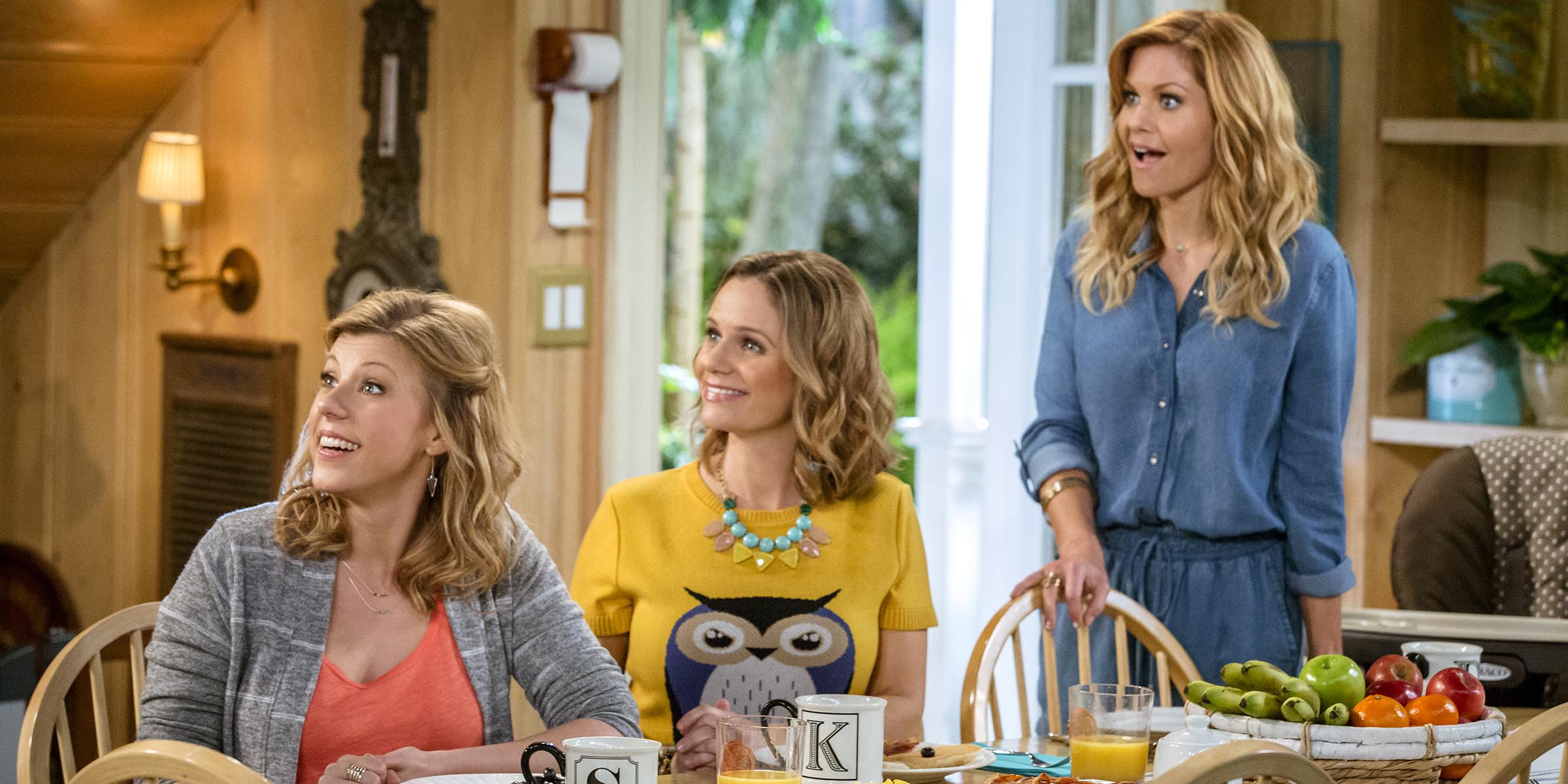 Full House Christmas Episodes.Fuller House Reveals Premiere Date Photos For New Season
