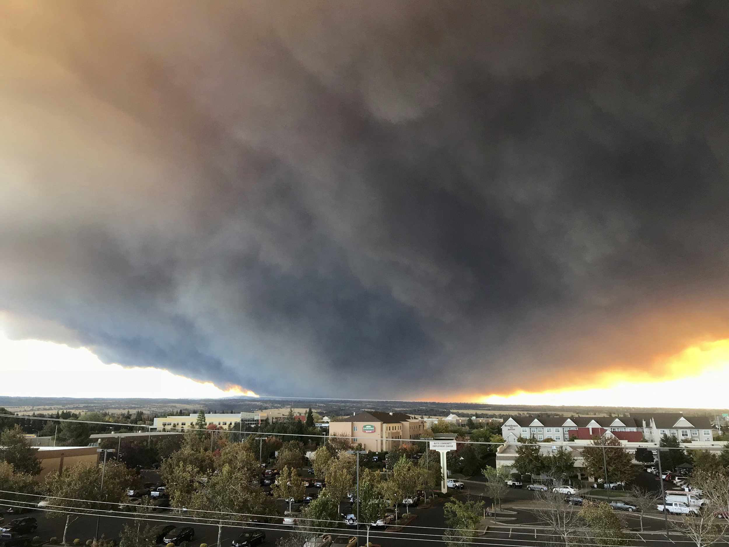 Wildfire-chars-more-than-18,000-acres-in-rural-Northern-California