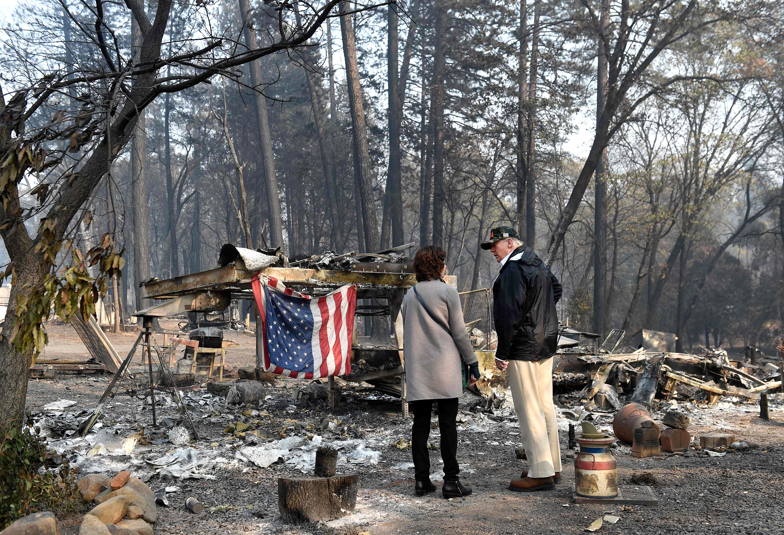 Trump-visits-site-of-California's-most-deadly-fire,-pledges-federal-help