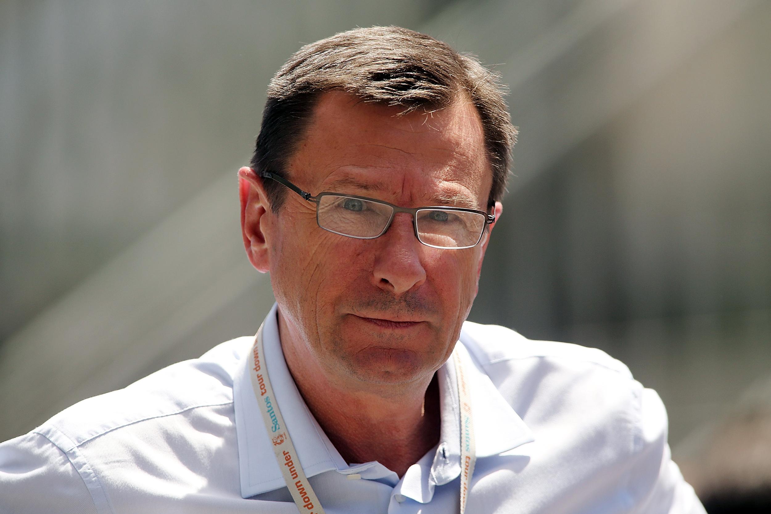 Paul-Sherwen,-NBC-Sports-cycling-analyst,-dies-at-62