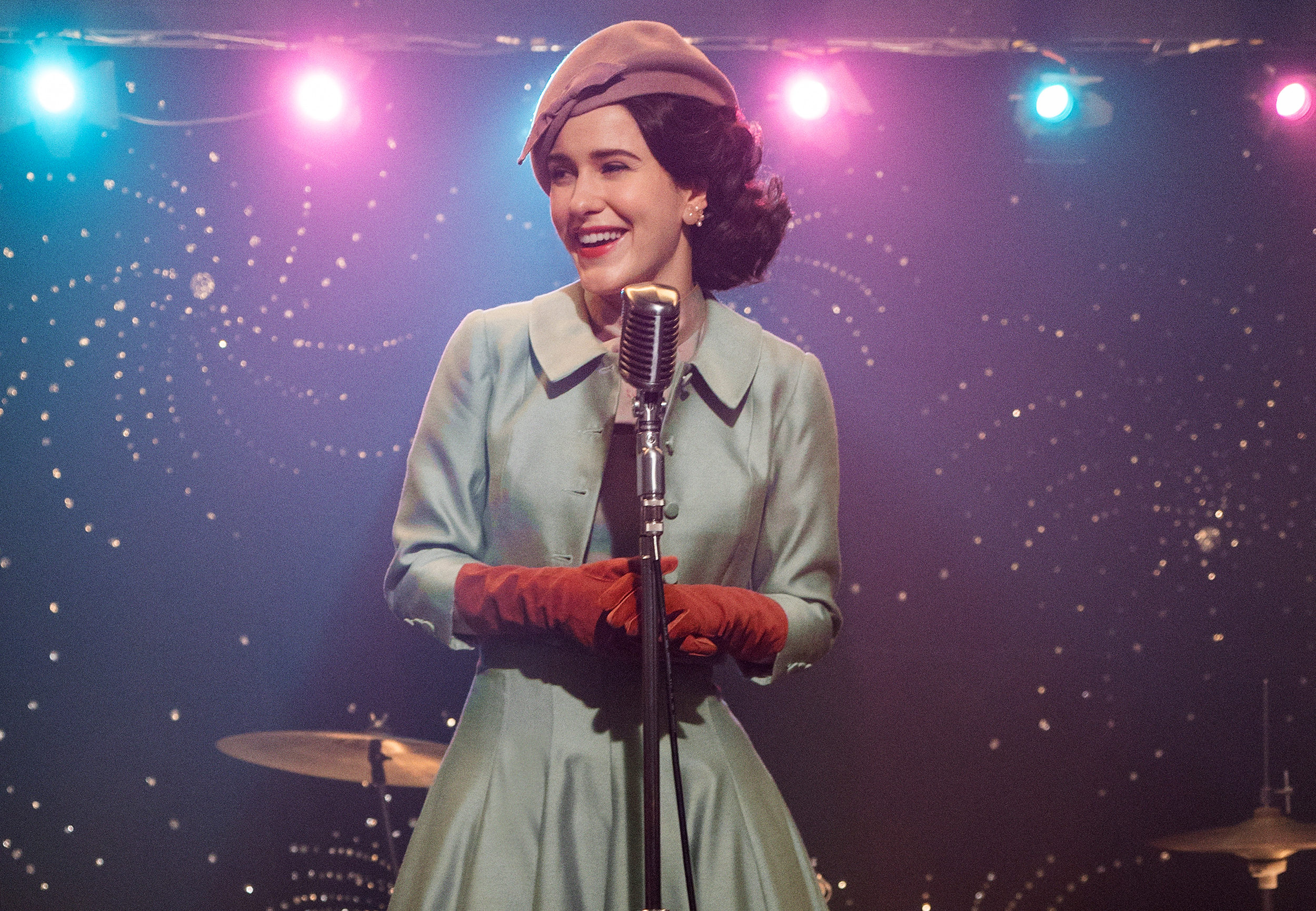 'Mrs.-Maisel'-is-still-marvelous,-but-fans-of-'Gilmore-Girls'-may-see-red-flags