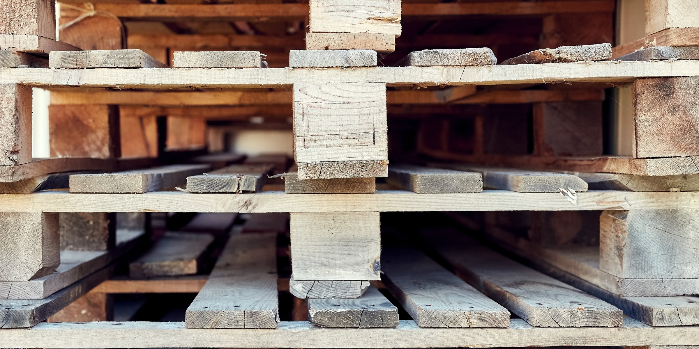12 diy wood pallet projects and ideas