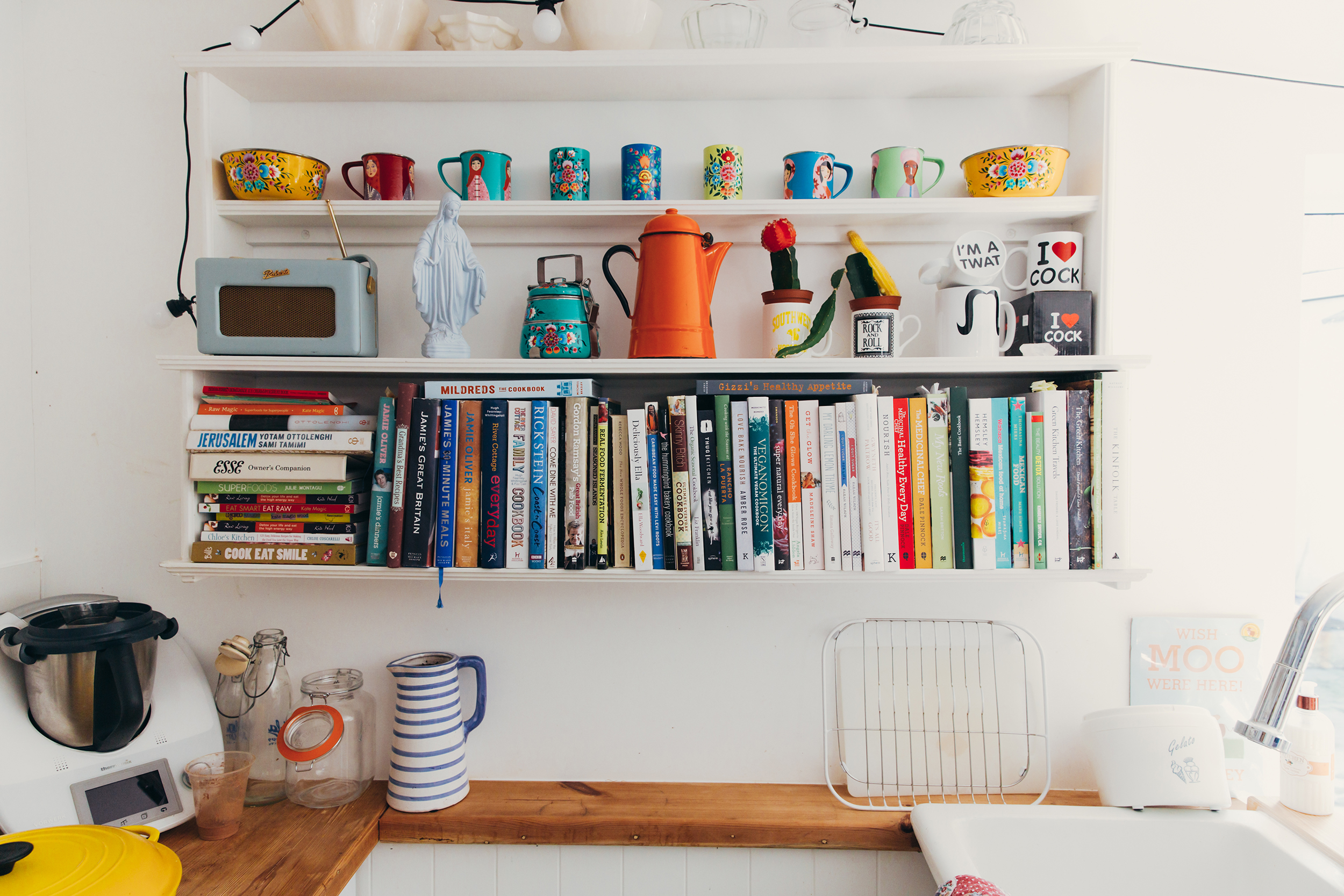 7 Small Kitchen Decor Ideas To Jazz Up Your Space