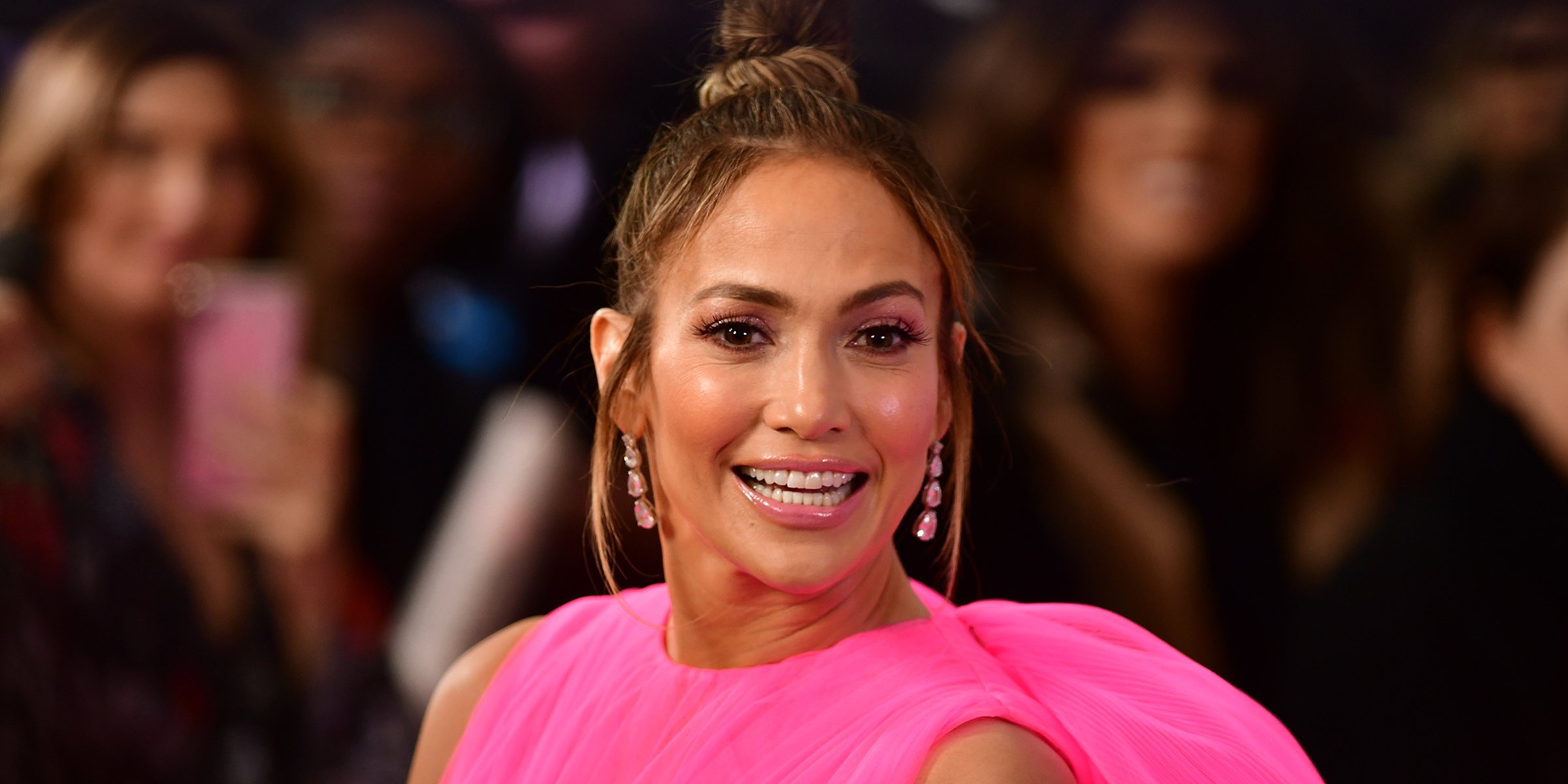 a38e44bf966 Jennifer Lopez stuns in breathtaking pink dress at  Second Act  movie  premiere
