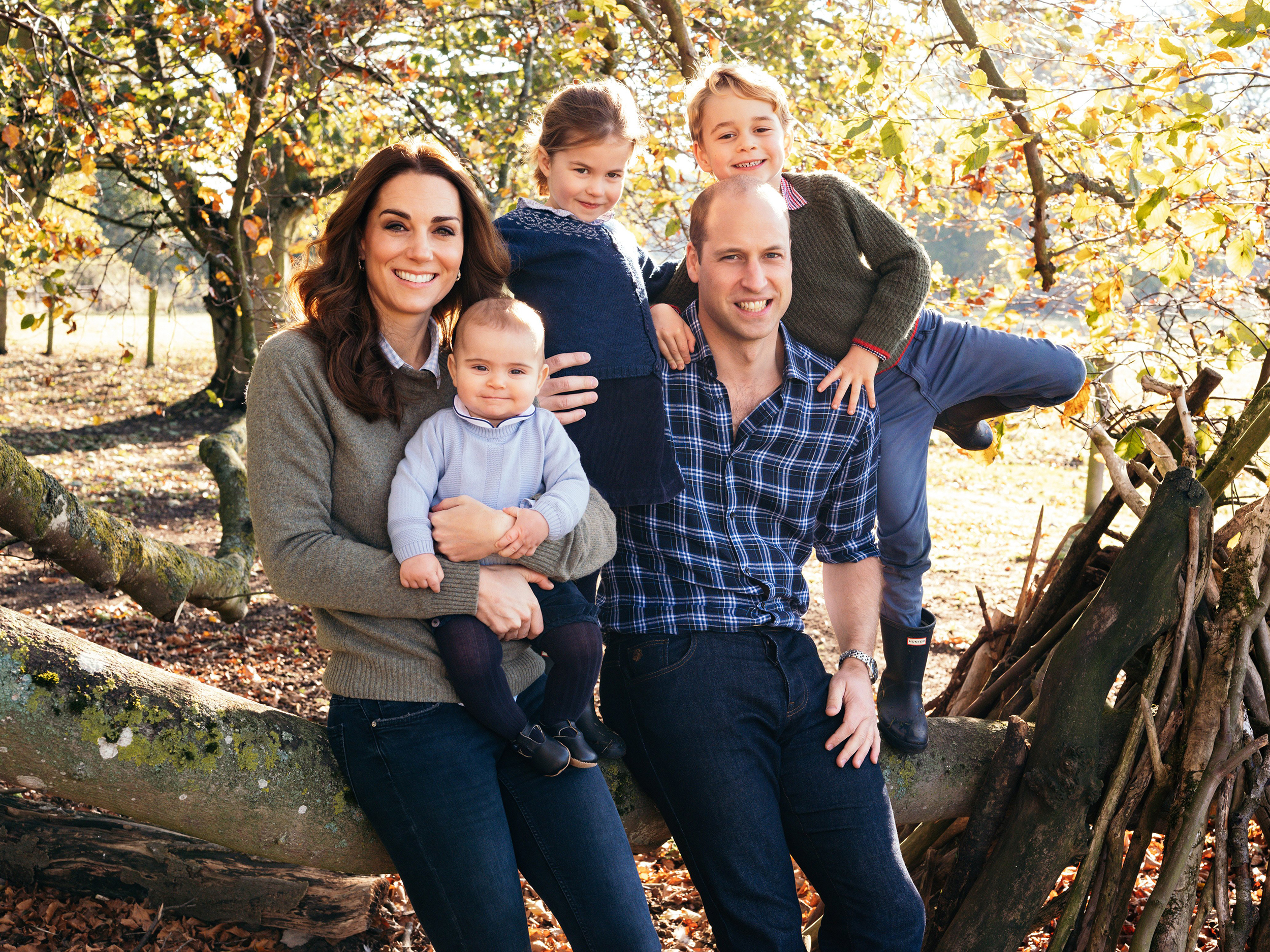 Kate Middleton, Prince William release Christmas card photo
