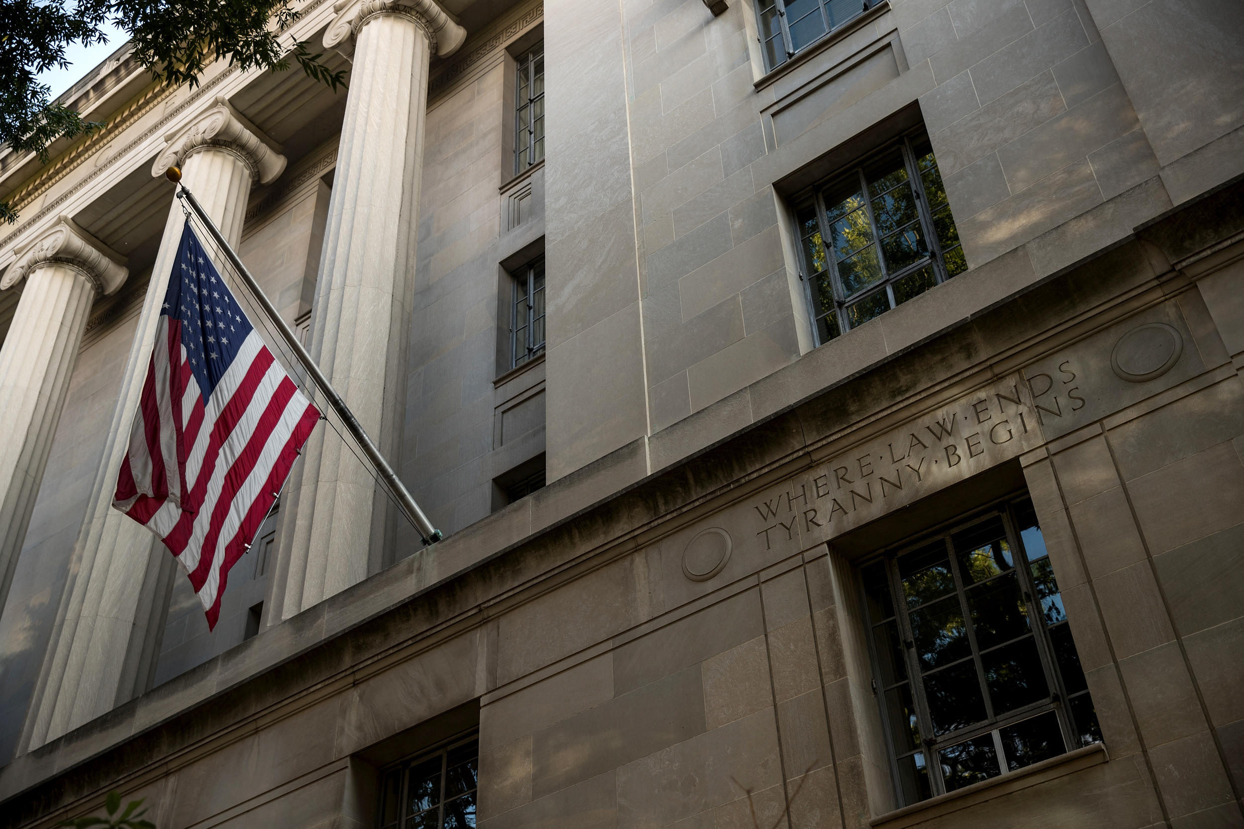 Defense-analyst-arrested-for-leaking-classified-information