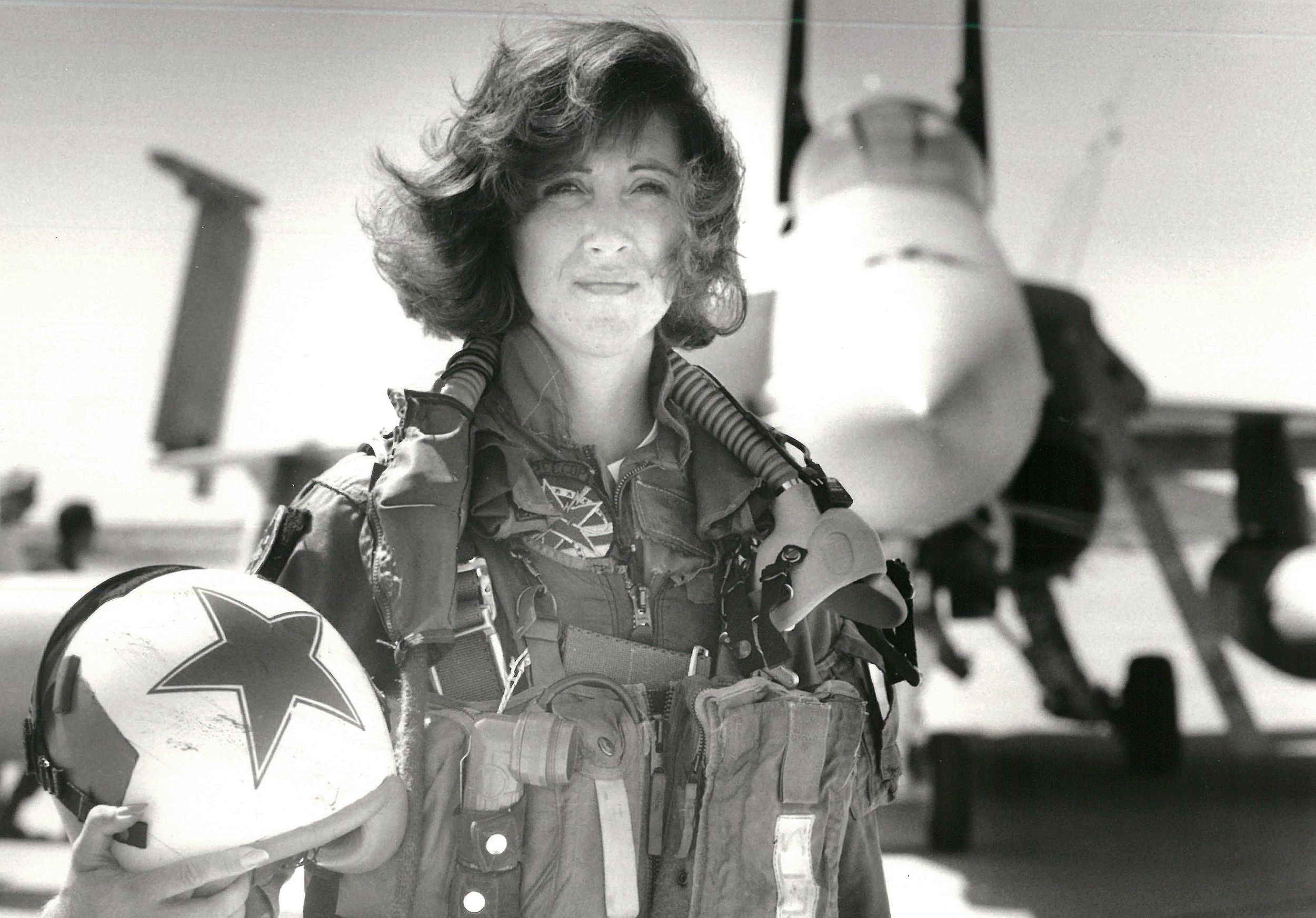 e81123ab Tammie Jo Shults, who landed crippled Southwest plane, was one of first  female fighter pilots in U.S. Navy
