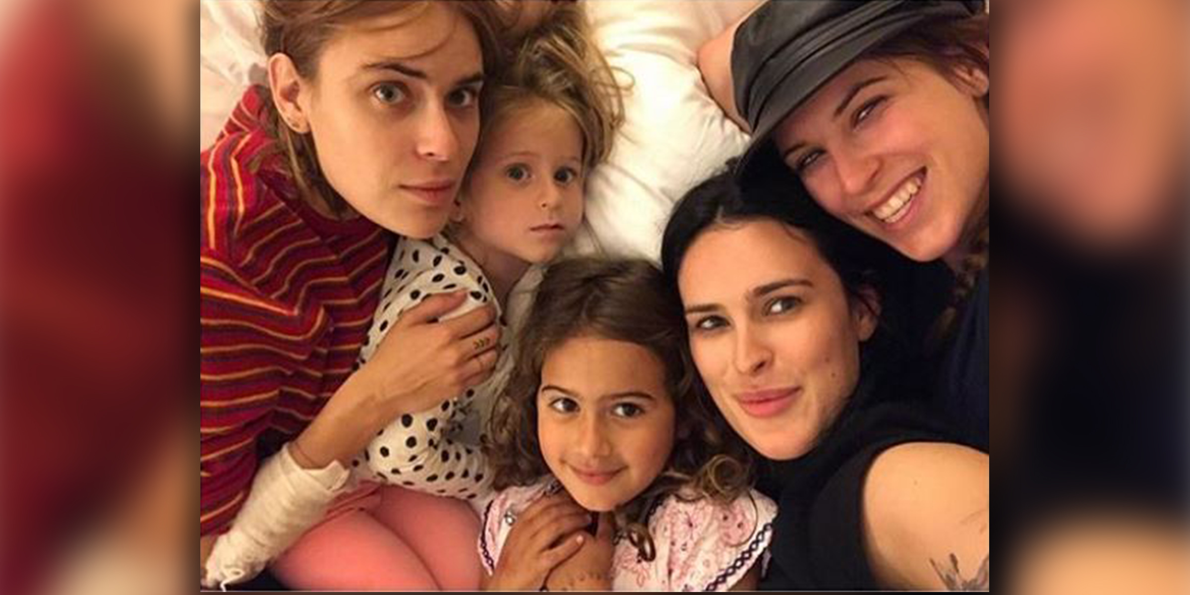 All 5 of Bruce Willis' daughters appear in sweet sibling ...