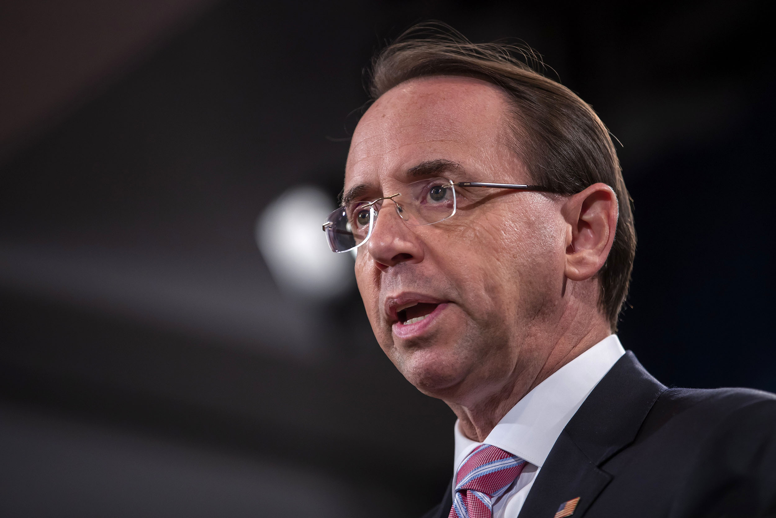Rosenstein,-who-oversees-Mueller's-probe,-plans-to-leave-in-the-coming-weeks