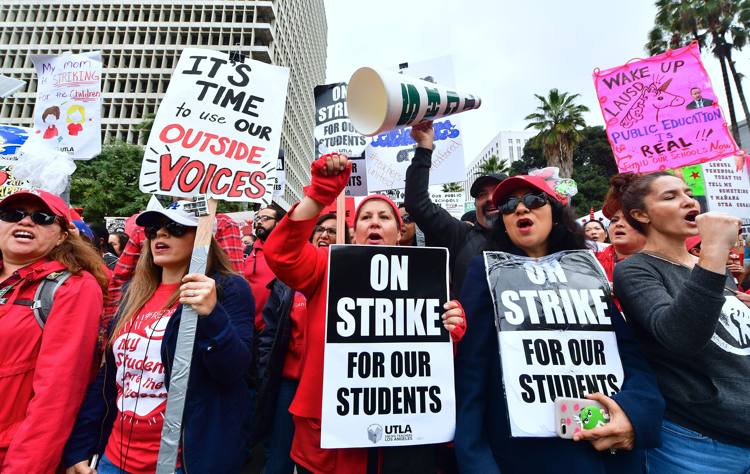 Smaller class sizes not proven but teachers strike for them
